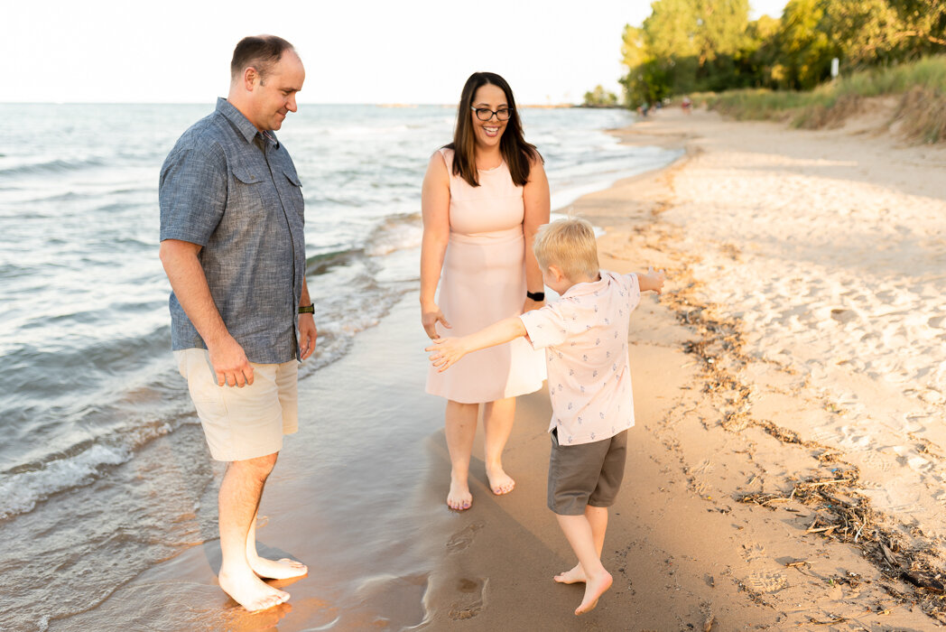 Evanston Family Photographer, Evanston Illinois Family Portrait Photographer, Gilson Beach Family Session, Ashley Hamm Photography (11 of 26).jpg
