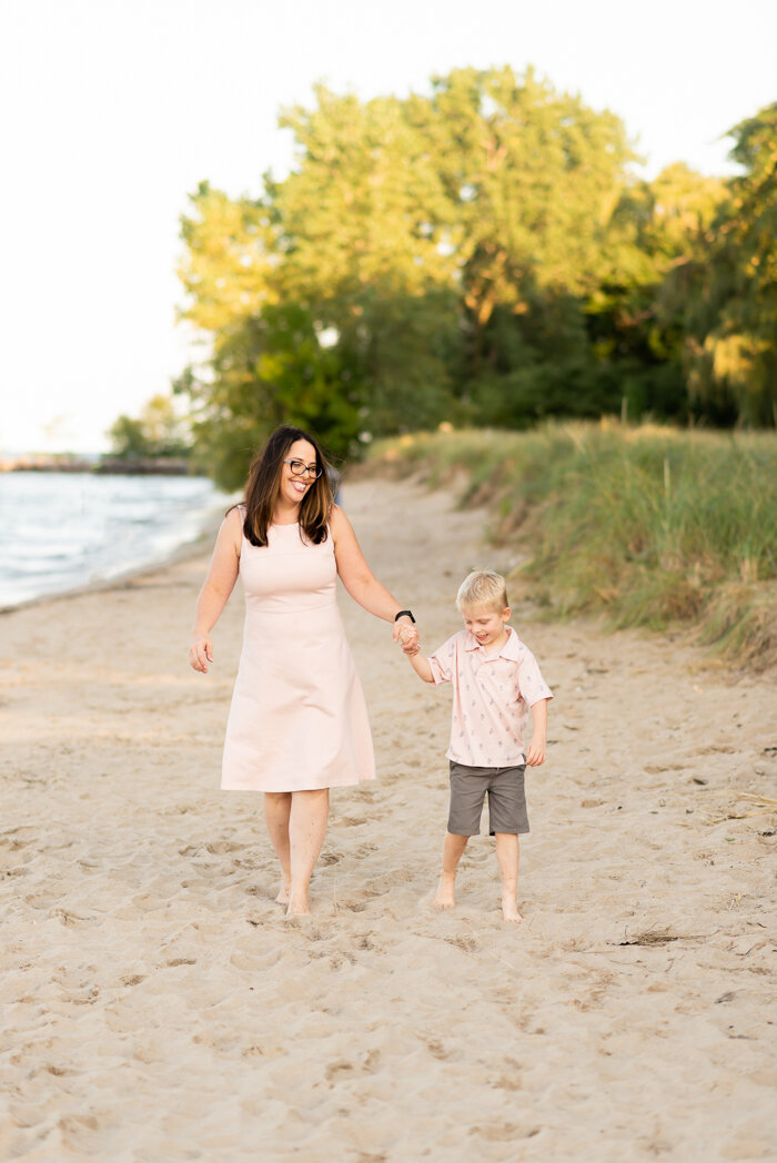 Evanston Family Photographer, Evanston Illinois Family Portrait Photographer, Gilson Beach Family Session, Ashley Hamm Photography (4 of 26).jpg