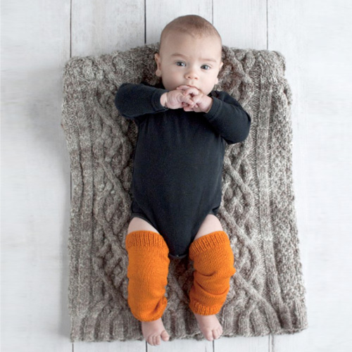 O-WOOLBaby Legwarmers - DESIGNER: Ettel Dobson for O-Wool.Fingering yarn. Pattern fits 3 - 9 months.Thank you, O-Wool.Now to find a baby to knit these for.