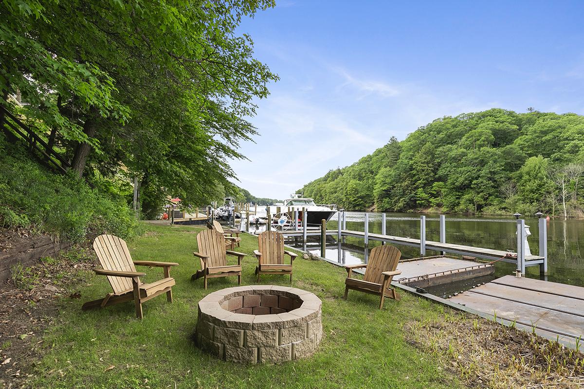 Be Here now - Enjoy life on the Kalamazoo river