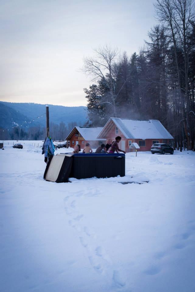 winter hot tub.jpg