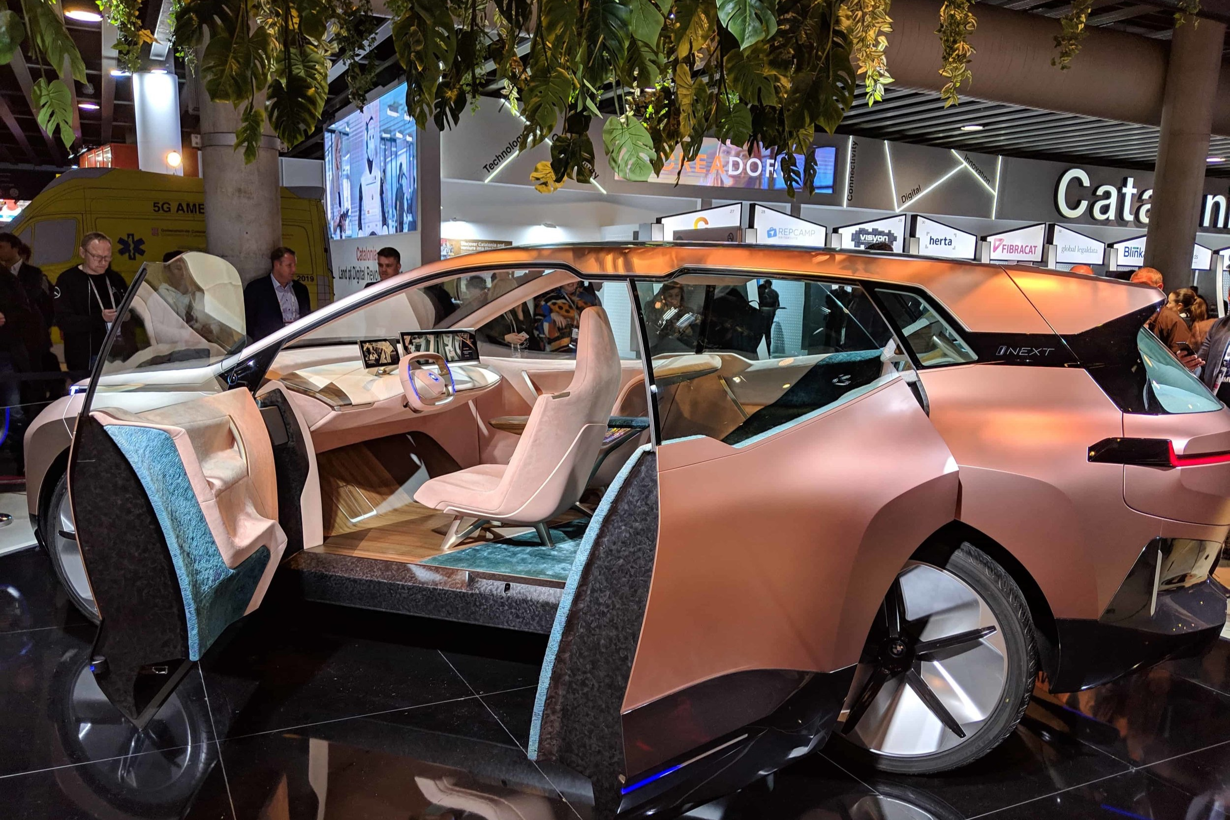 BMW presents the iNEXT