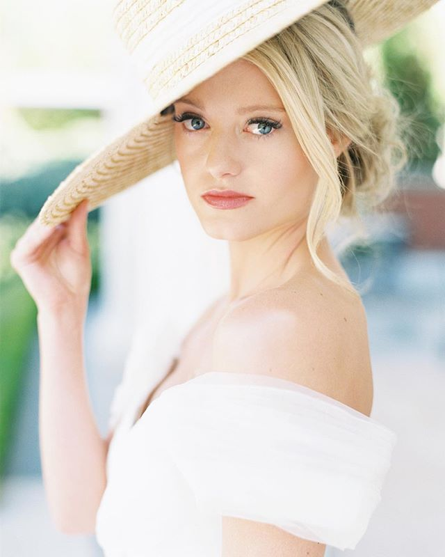 When our southern belle brought hats back in a BIG way. ⠀⠀⠀⠀⠀⠀⠀⠀⠀ Photography: @as_ever_photography Model: @korijeanolsen  HMUA: @becca.barnes.beauty  Hat: @gigipip  Feature: @weddingchicks  Jewelry: Antoinette's Fine Jewelry, SLC  #destinationweddingplanner #weddinghat #southernwedding #southernbellewedding #utahweddingplanner #parkcityweddingplanner