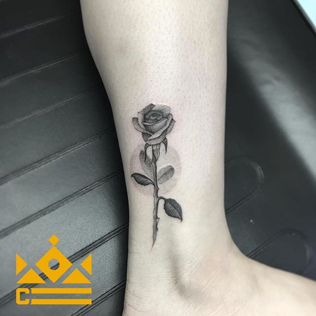 Slowdeath never ceases to amaze everyone with his single needle style! 🌹 Follow @og_slowdeath to get the perfect inspiration for your single needle tattoo! Book a spot on Slowdeath's calendar by calling 720-366-6925 ☎️💥 --------------------------------------------------------- #tattoos #tattooart #tattooer #tattoo #tattooartist #tattooed #tattoomagazine #denver #tattooing #tattooartwork #tatuaje #tattooaddicts #tattoolove #tattooworkers #topclasstattooing #art #superbtattoos #denvertattoo #tattooidea #beauty #style #love #rose #rosetattoo #singleneedle #inked #ink #colorado