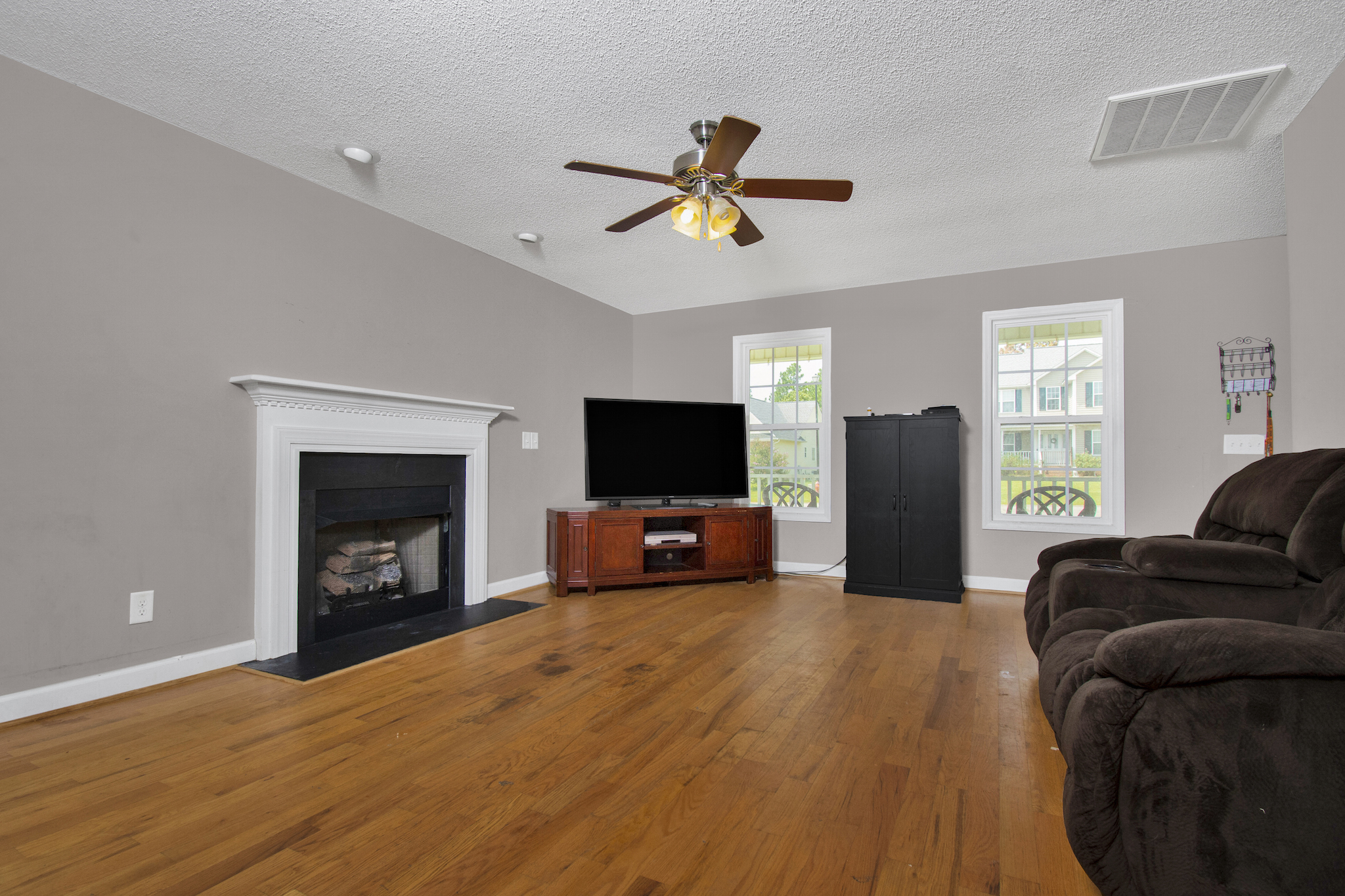 750 Northview Dr (9 of 33).jpg