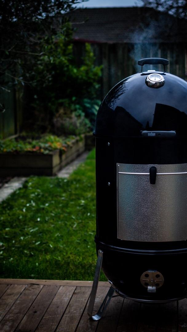 weber barbecue smoker WSM
