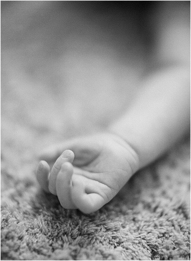 newborn    film photography    cara dee photography_0350.jpg