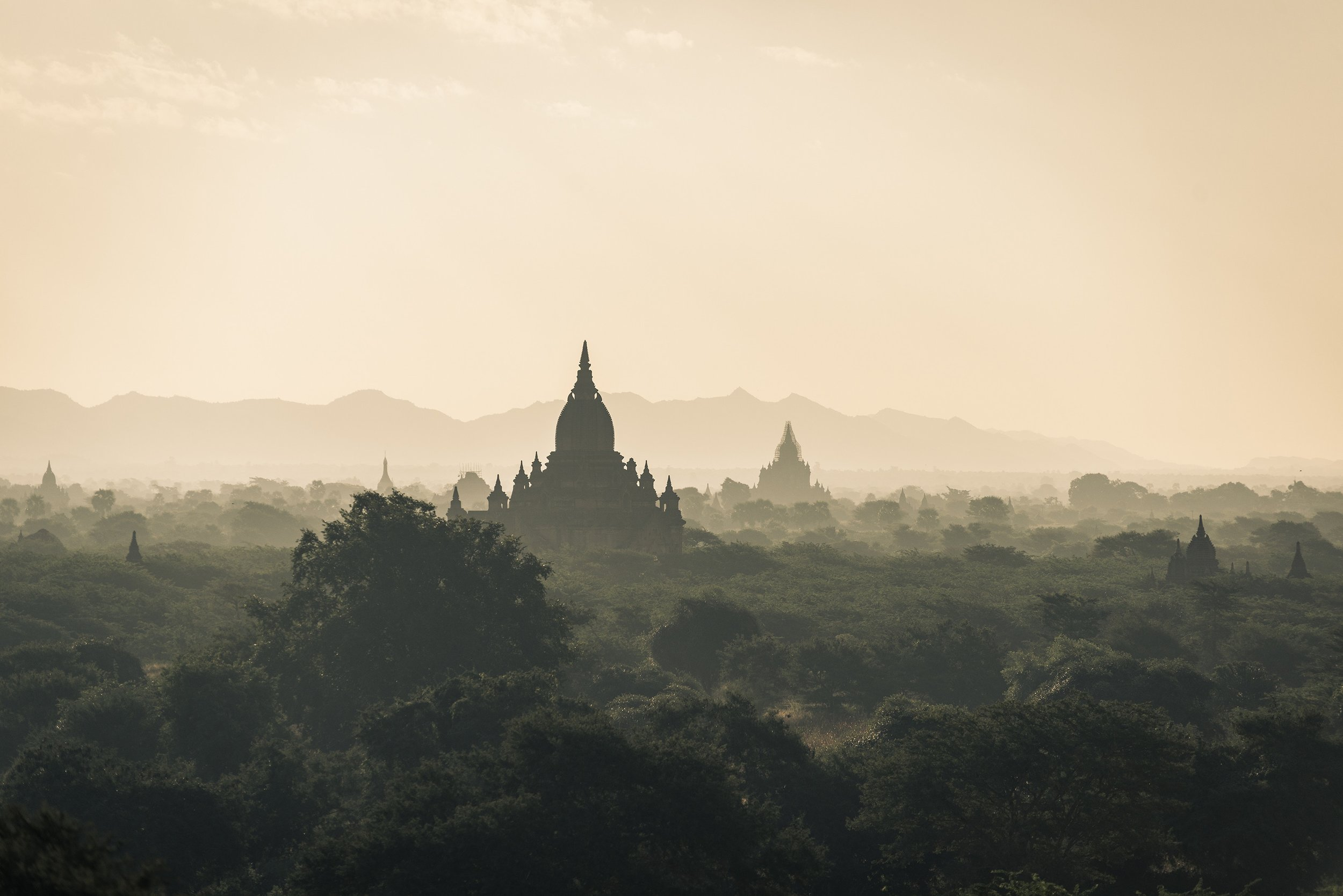 Myanmar_temple_peace_religion.jpg