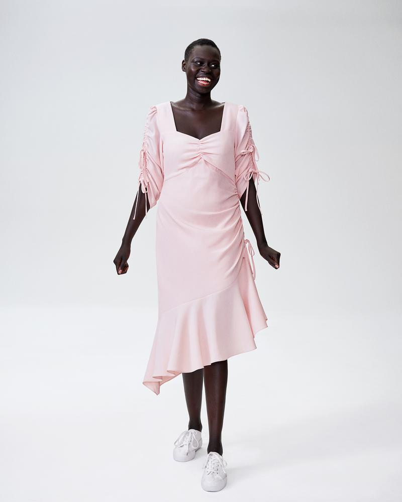 True life: I am obsessed with Universal Standard and their clothes are some of the best I have ever bought. They are cut for all bodies and are truly inspiring. They have a minimal and stylish look that is stunning. This is from their US X Rodarte collection. I can't sing their praises enough. Feel free to check them out  here .