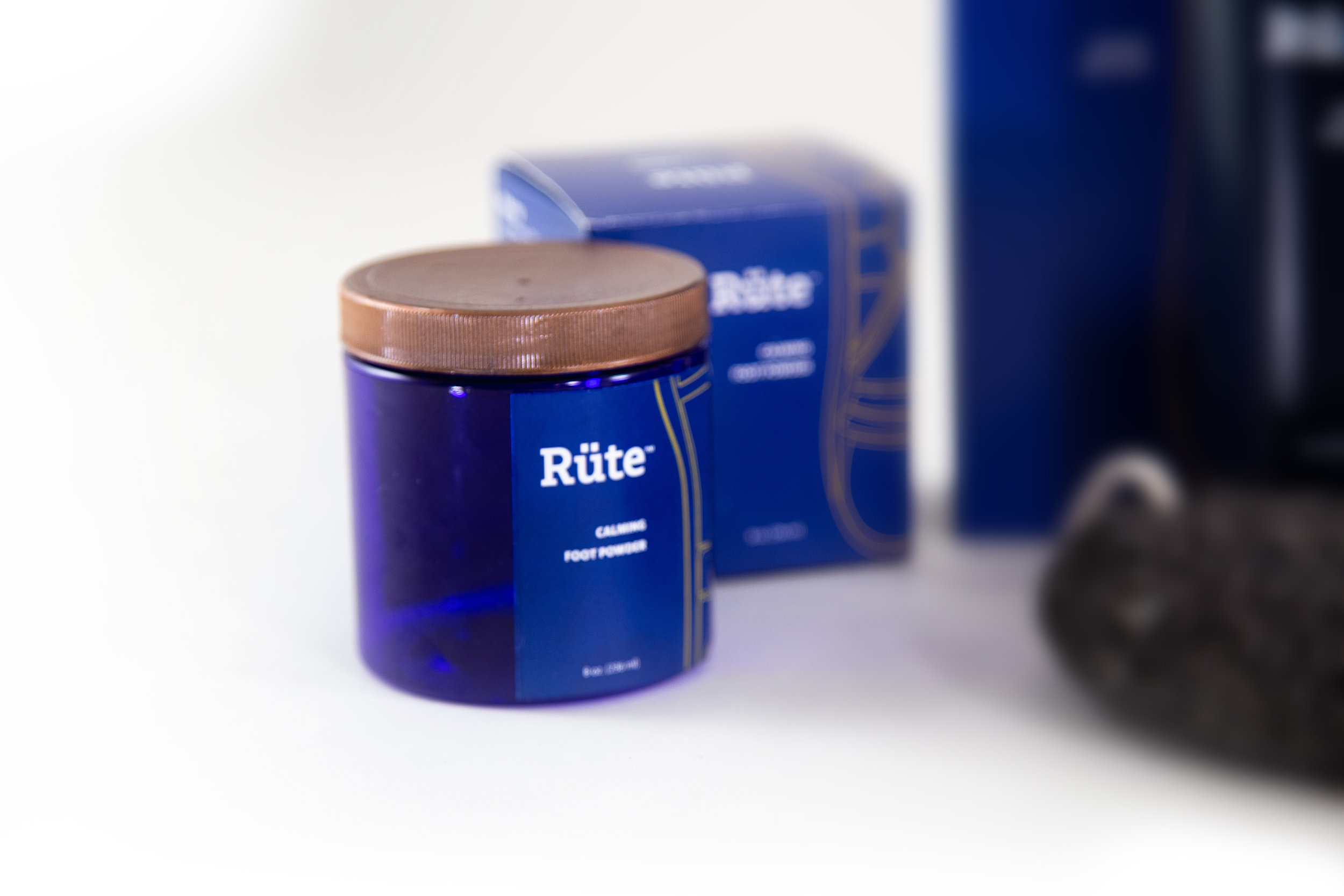 ClaytonSmith_detail7_Cosmetics_Rüte™.png.jpg.jpg