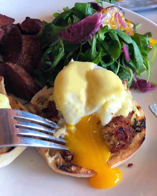 Brunches of fun with our Krabby Patties on our Mr. & Mrs. Benny Hopes! Crab Cake Benedict! 🦀 11am-3pm weekend brunches!⠀ .⠀ .⠀ .⠀ .⠀ .⠀ #brunch #eggs #caviar #crabcake  #breakfast #foodie #foodporn #eggporn #yolk #praytell #blogto #nowtoronto #torontoeats #instagood #eatnmingle  #food #instafood #delicious #caviarcitizen #snackbar #lunch #halecoffee #yummy #weekend #love #crab #fresh #canada #brunchgoals #sunday
