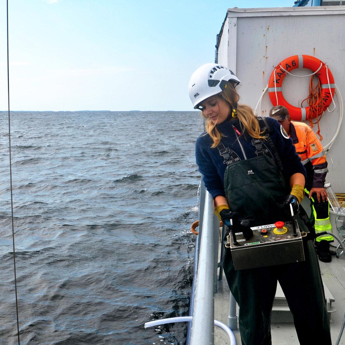 Green Talk: Pinja Näkki - Pinja Näkki is a biologist working with marine litter issues, marine litter education and public outreach.