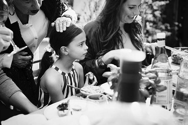 La dolce vita @allerhande #outnow #photography #byus @rolindawindhorst #styling @nicoledewerk_ @luzdvf #production @lianelockhorn @mpg.today #makeupartist @cecileholle #kidsphotography #lifestylephotography #italianfood #greatteam 💪🏼