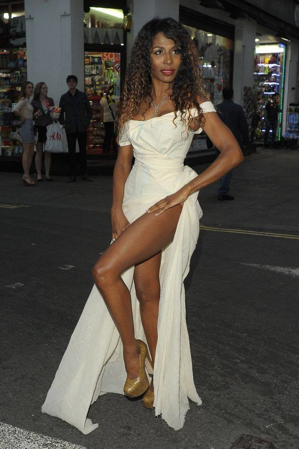 Sinitta Nada Na Boca Dress.jpg