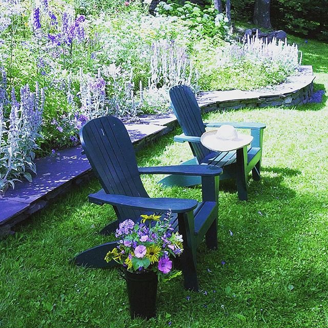 We hope you are enjoying the lovely weather in a setting like this one! ☀️🌸☀️🌸 Project by: @lichtenarchitects . . . . #catskills #mountains #outdoorgarden #flowers #adirondackchair #summerdays #architecture #design #details  #interiordesign  #architecturedetails #kevinlichten #instaarchitecture  #archilovers #architecure #architecturalphotography  #instadesign