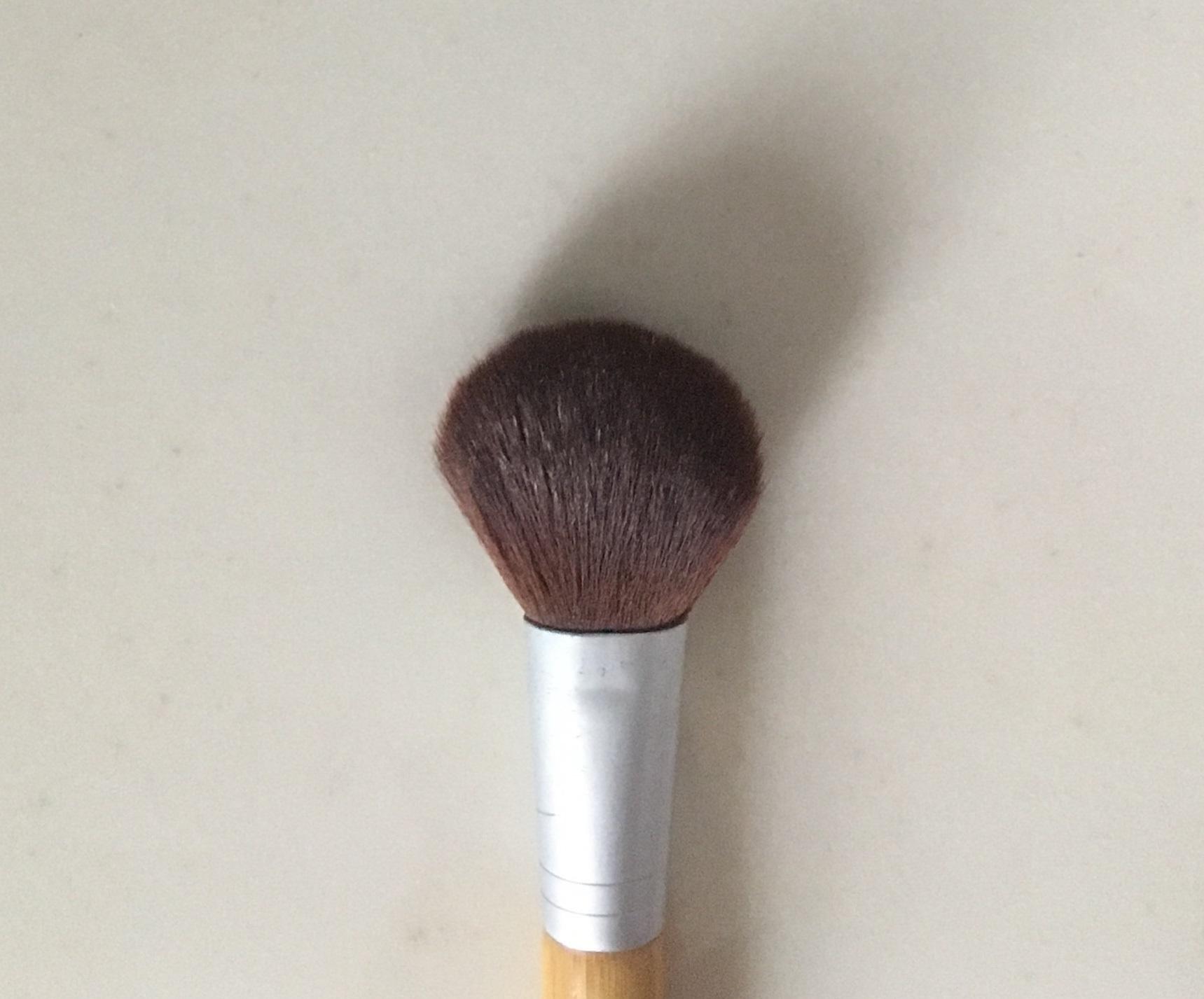 makeupthumb.jpg