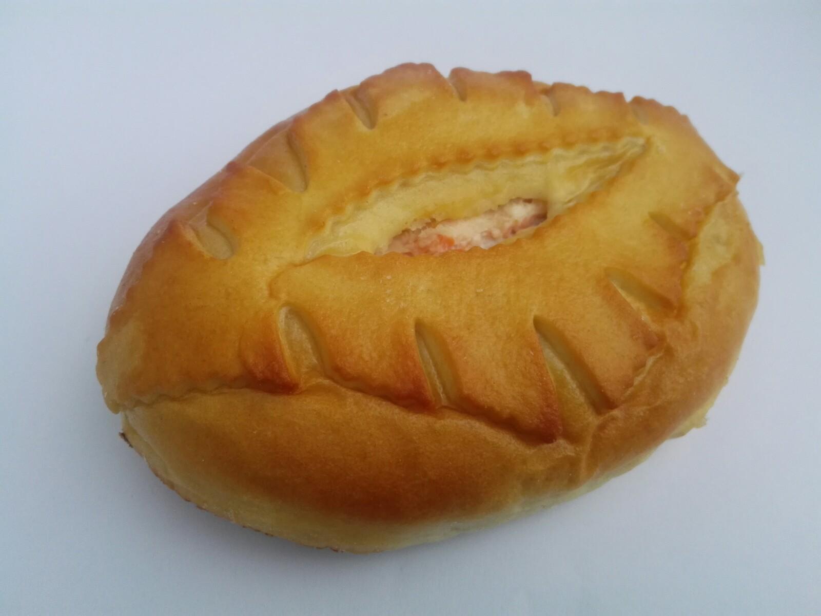 salmon_cream_cheese_russian_pie.jpg