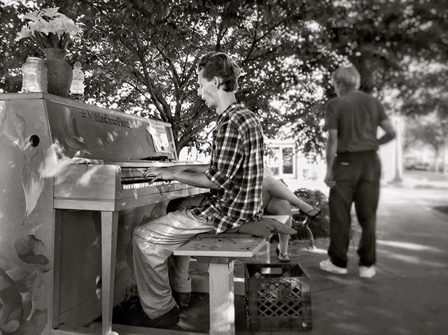 One of the reasons I love #milfordct #downtownmilfordct this young man is playing and singing most nights I travel through here. I take out my earbuds and my steps slow so I can enjoy his mini concert. #blackandwhitephotograpy #blackandwhite #bnw #bnwphotography #bnwphoto #musicalnights #summer2019 #milfordstreetpiano