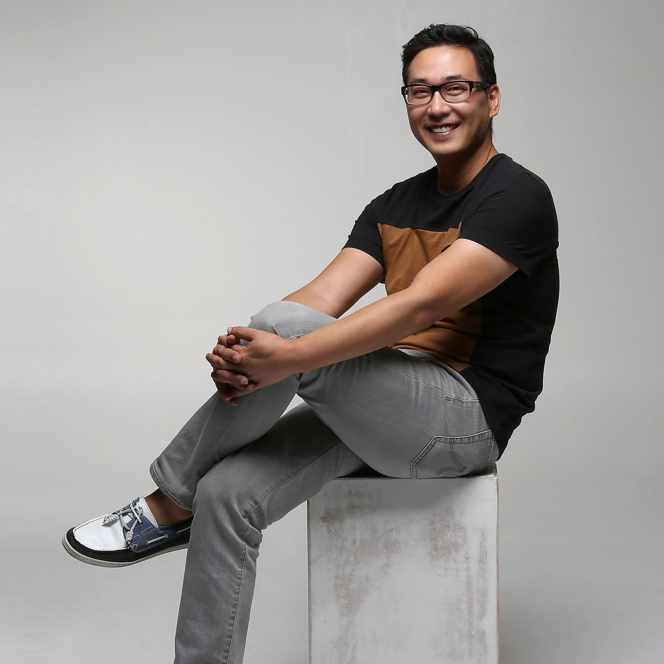 JOONHYUN HWANG  Founder / Director   Brooklyn Art Cluster  &  Playground Brooklyn
