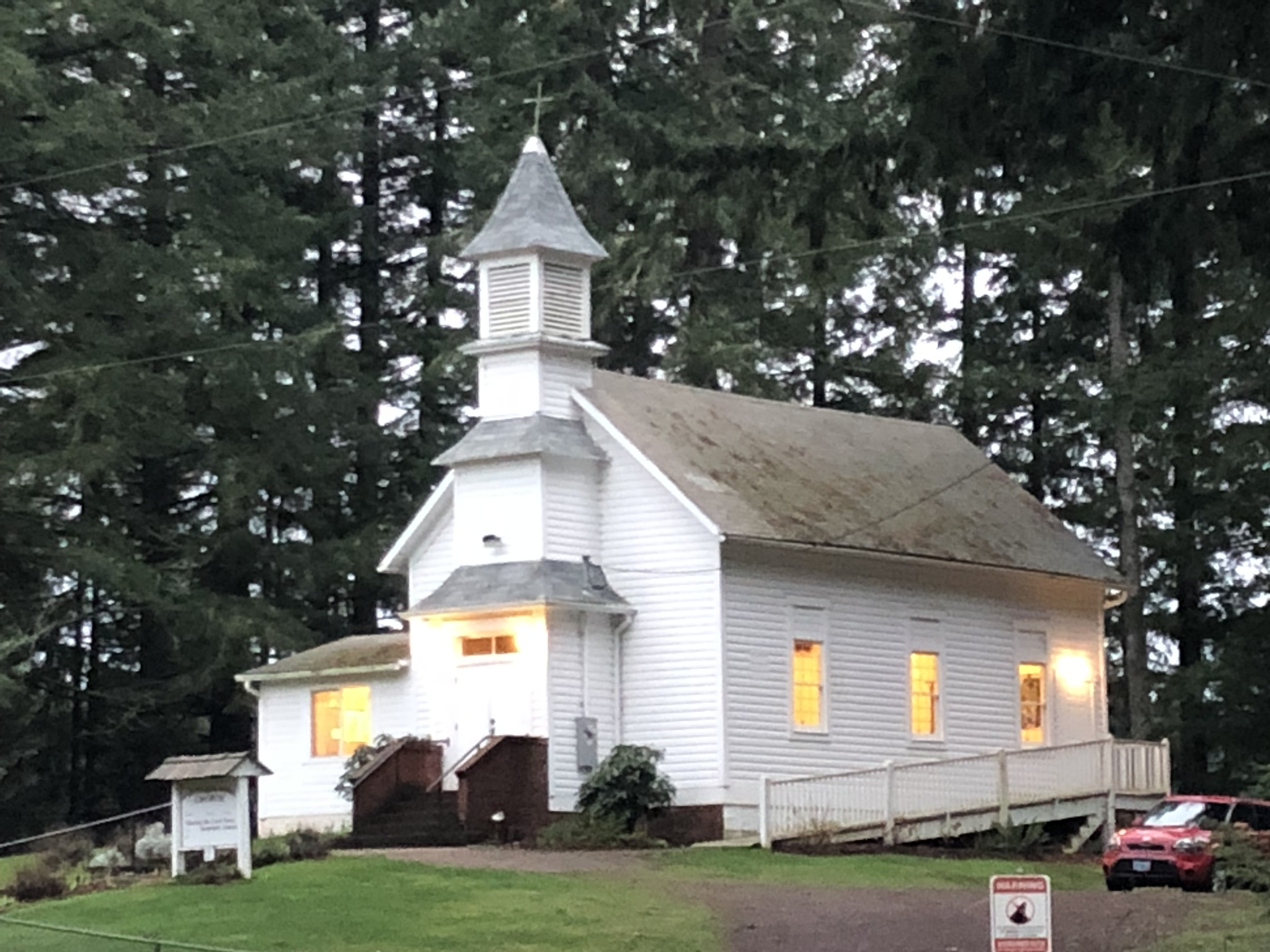 Mountain Home Community Church of Elwood - Home to one of many small, loving congregations in the InFaith family.