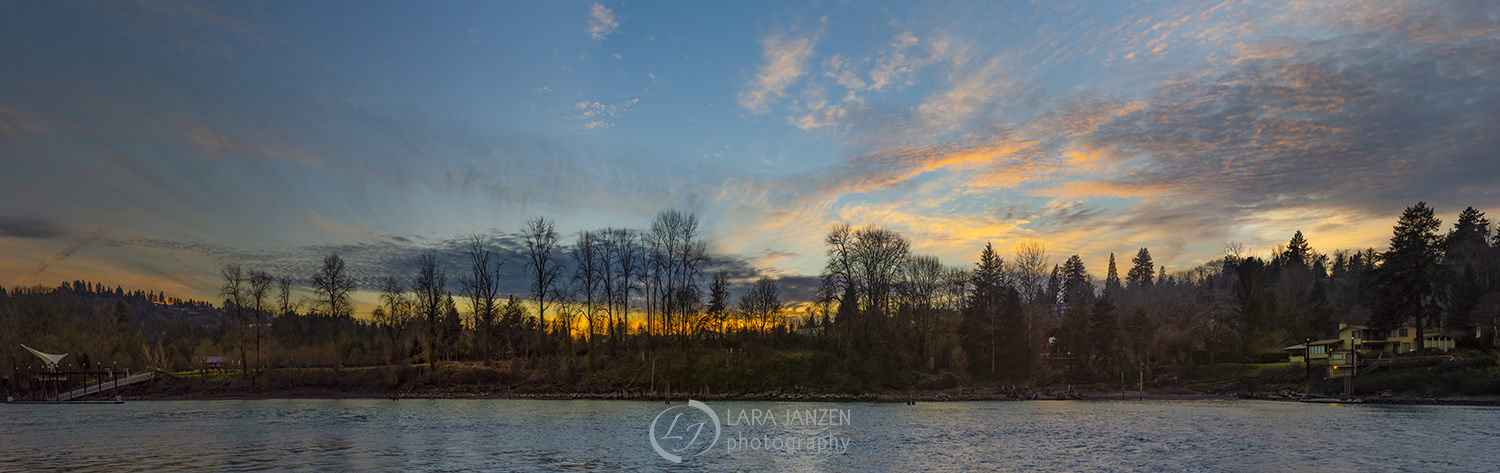 A wonderful sunset on the Willamette River, Oregon.
