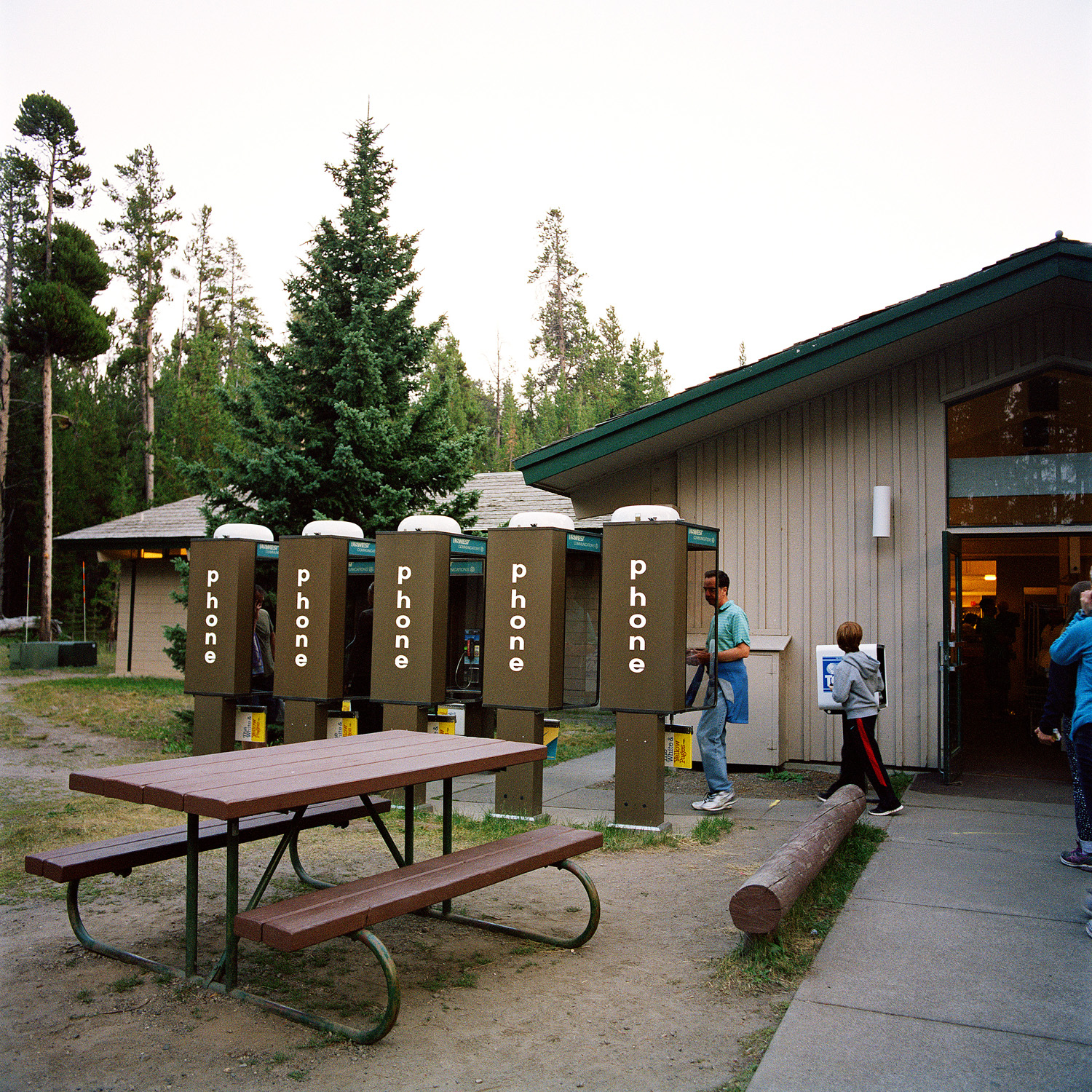 19_Parklife_Yellowstone_Phones.jpg