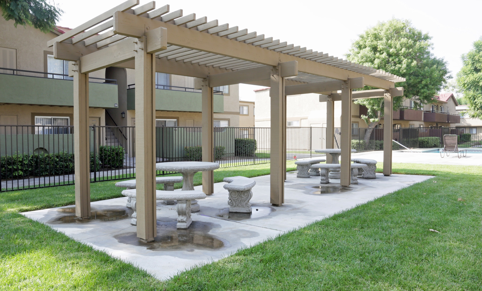 Picnic Area at Aventerra Apartments
