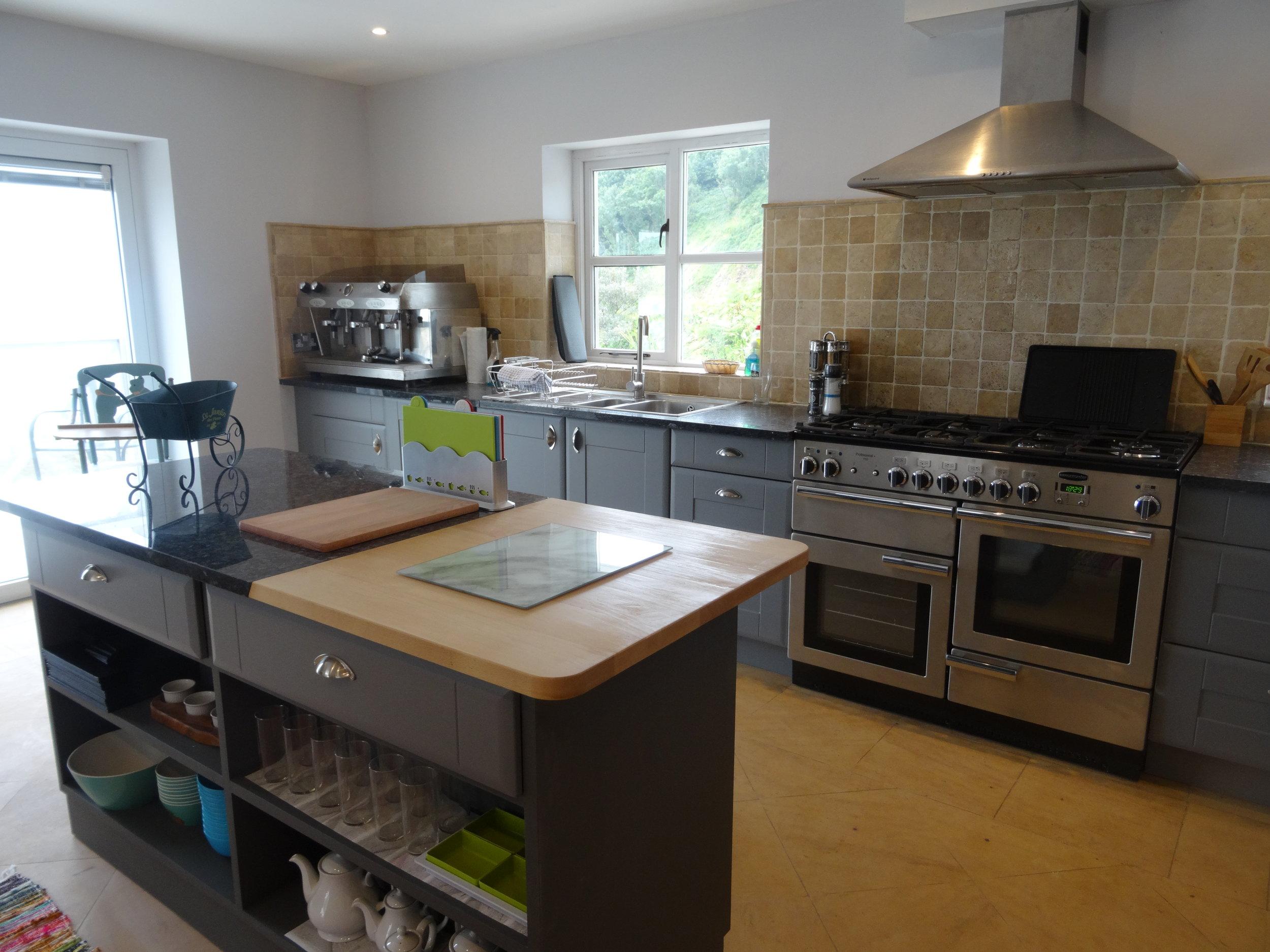 Kitchen.DSC09897.JPG
