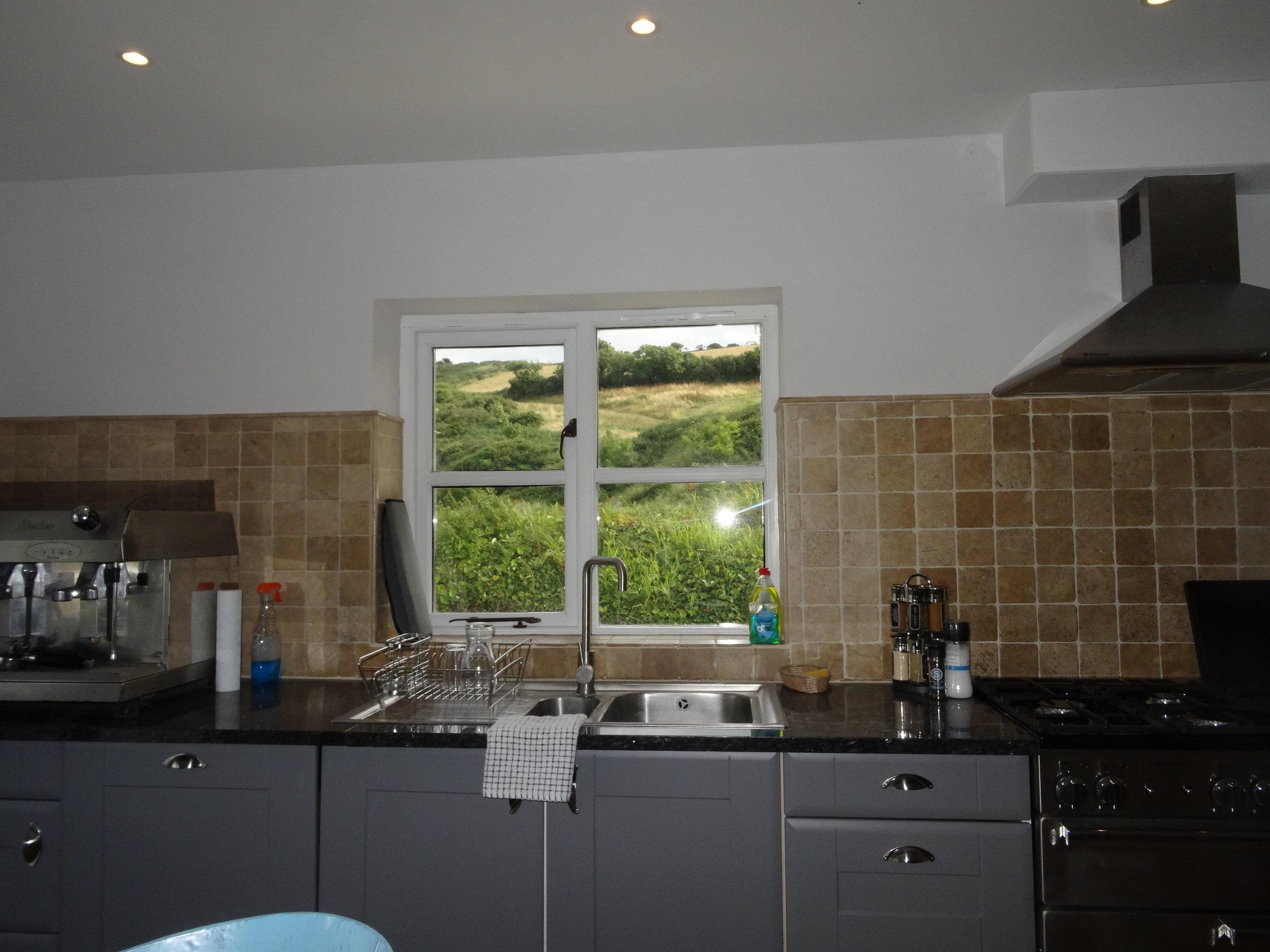 Kitchen.DSC09960.JPG