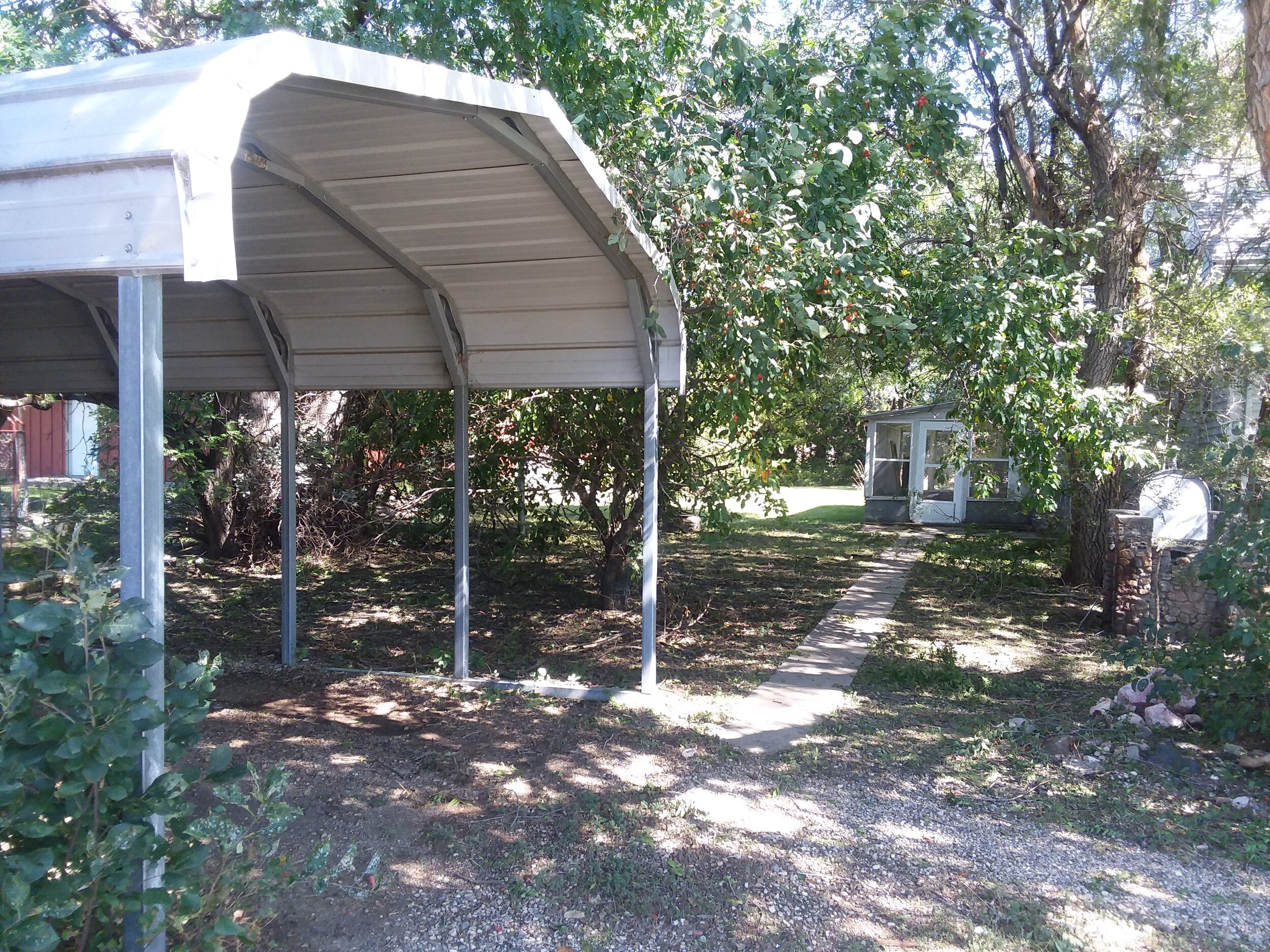 carport and entrance to back of house.jpg