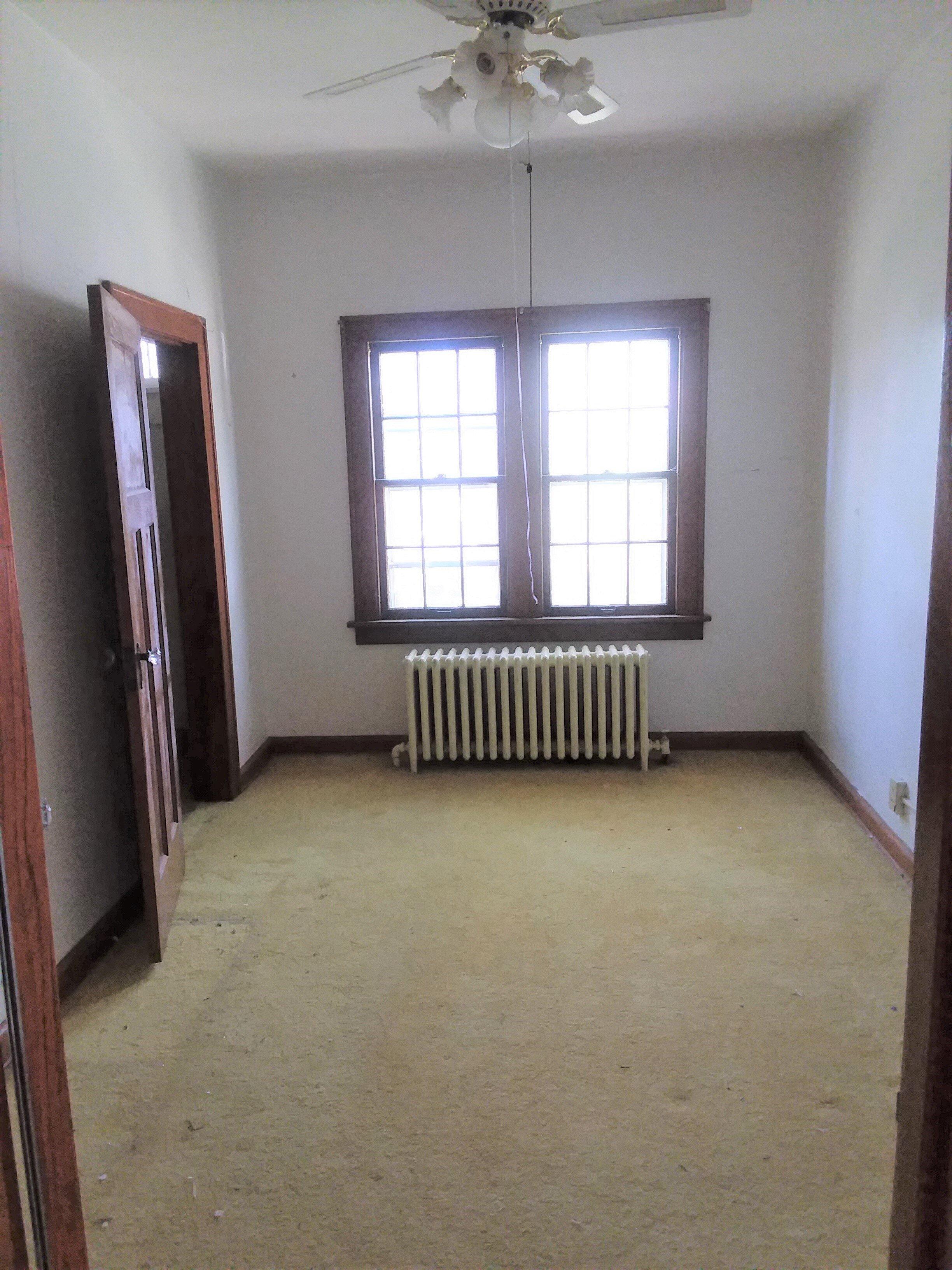 East bedroom main floor.jpg