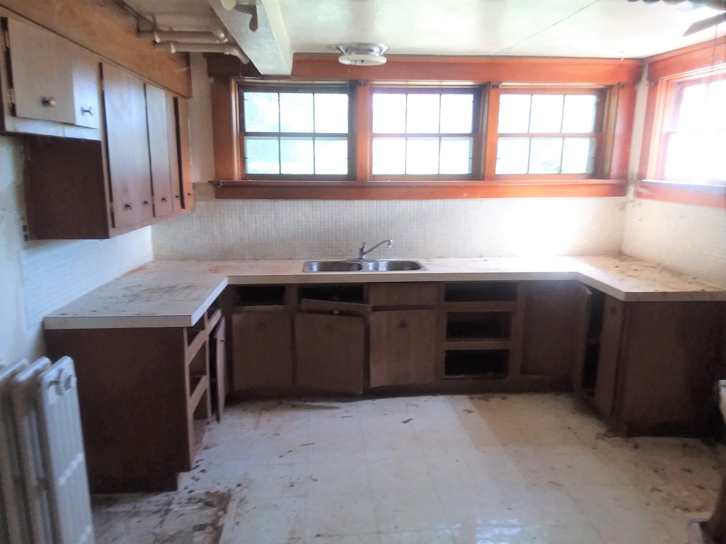 kitchen in basement.jpg