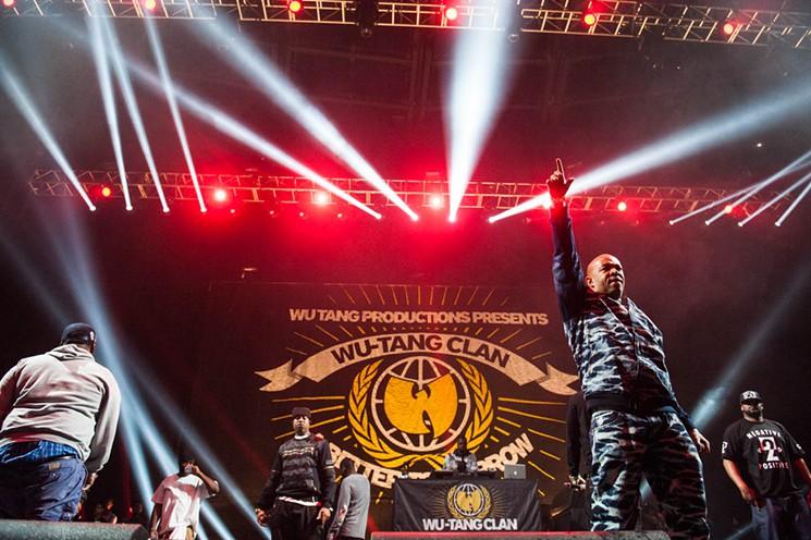 Wu Tang Clan   Backdrop during performance