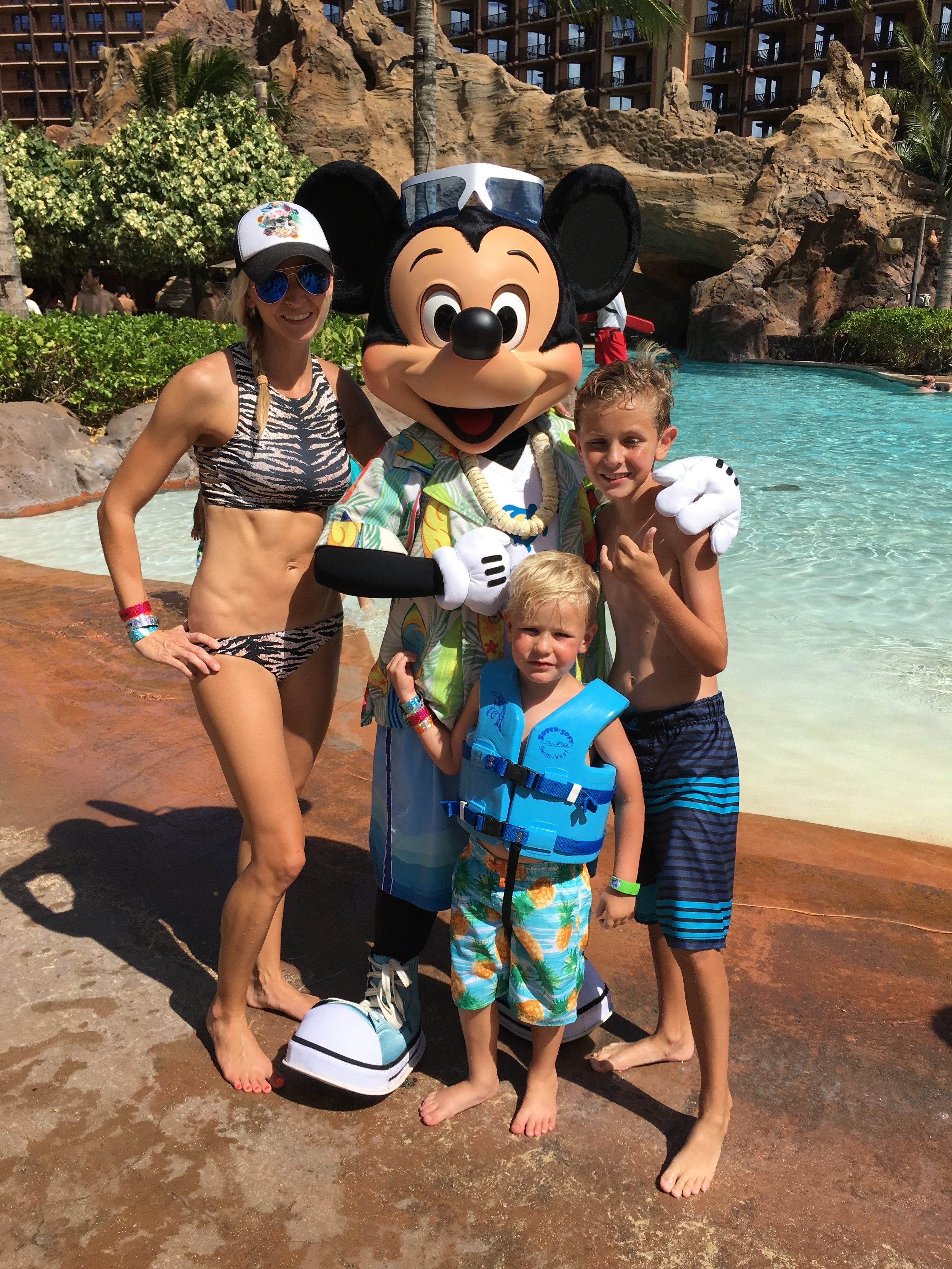 Disney Aulani Pool Party