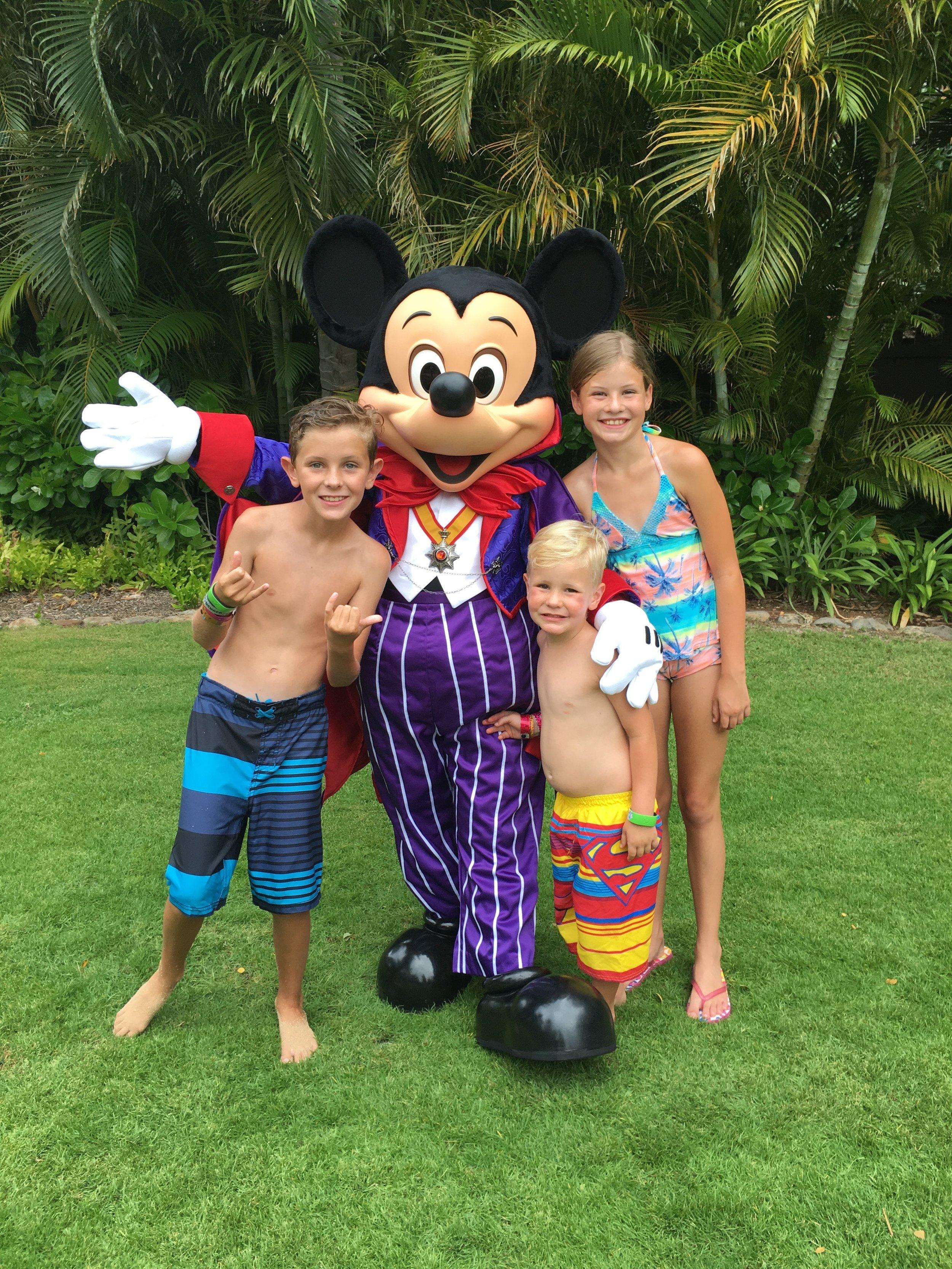 Disney Aulani Mickey Mouse