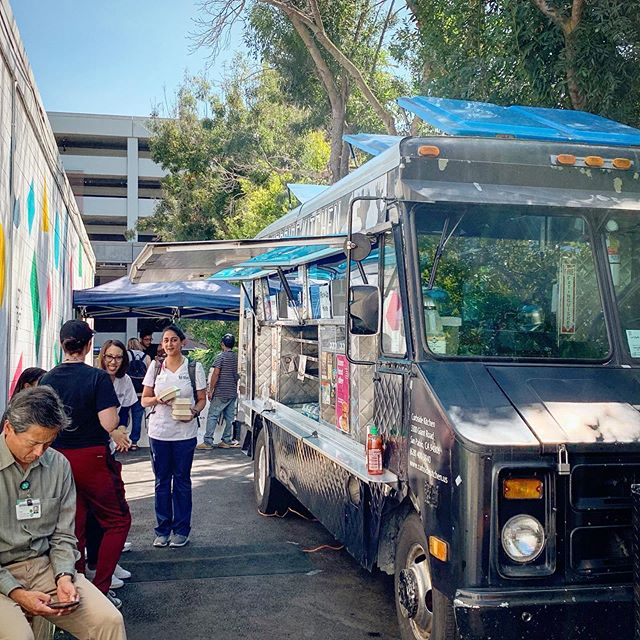 That's a wrap on our Dog Days of Summer celebration! Big thanks to all those who showed up this week to meet our alley line up! We'll be back on Monday to feed y'all more good food and good vibes 😎  @tacosychelas.oak @curbside.kitchen @xingonesoakland . . 3188 telegraph ave (at hawthorne ave & telegraph) oakland 94609 open daily (mon-friday) lunch service (11am-2pm) 📍Kono Food Alley  #eatcommongrounds #commissary #foodhall #foodcourt #oakland #foodie #local #eatlocal #branding #bayareafoodie #bayareaeats #eeeeeats #eater #infatuation #tastethisnext #foodbeast #foodiegram #chowhound #foodexplorers #feedfeed #forkyeah #foodgawker #kono #oaktown #bringyourappetite #konofoodalley #foodtruck