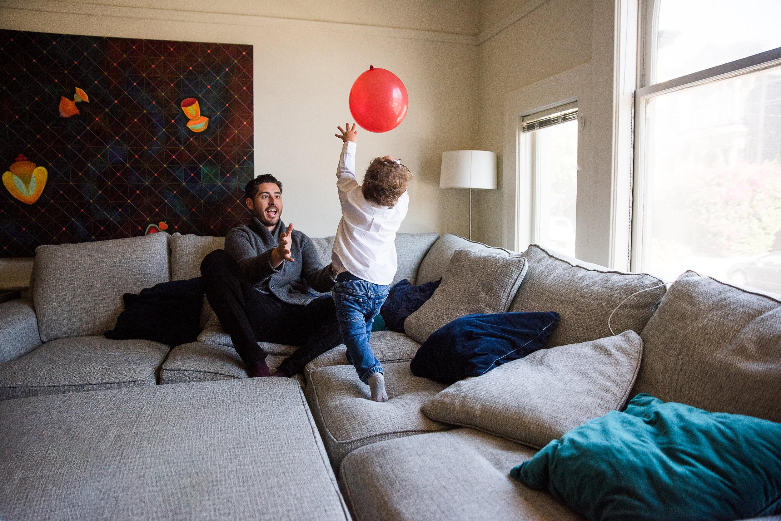 San Francisco Newborn Photographer, Amanda Anderson, baby boy, red balloon, big brother