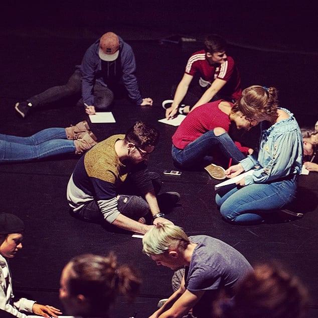 Seid ihr auch schon so aufgeregt? Wir haben da was vorbereitet: am Dienstag, den 24.9. machen wir mit allen Teilnehmer*innen um 18 Uhr einen Bühnenworkshop in den @flottmann_hallen_herne! Meldet euch per Mail an Helena an, noch sind Plätze frei.  Noch 10 Mal schlafen - dann Herbert!  #herbertherne #jugendkultur #herne #flottmannhallen #workshop #herbert #herbert19 #theater #vorfreude #nachtfrequenz