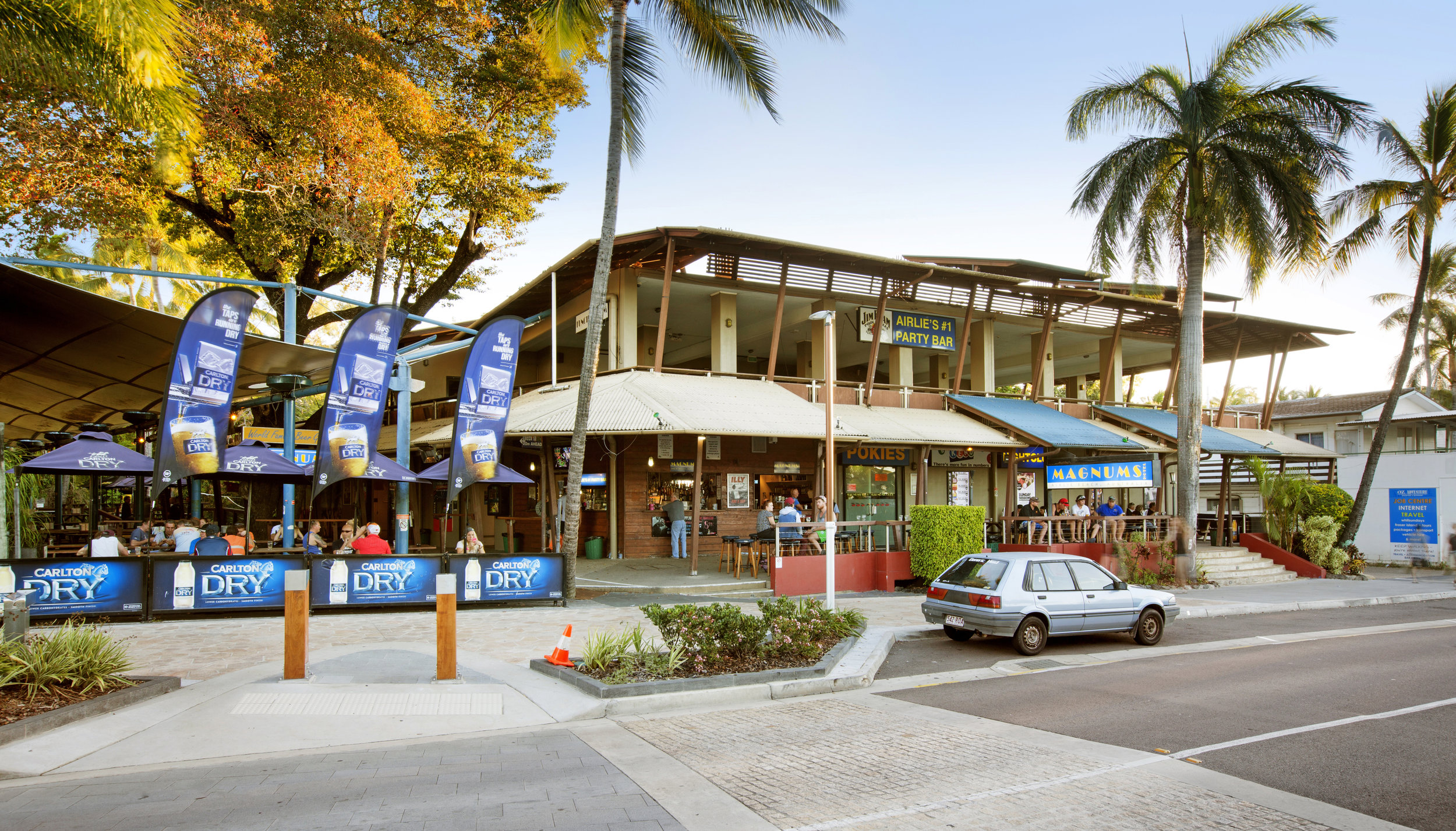 Magnums Hotel, Airlie Beach, QLD