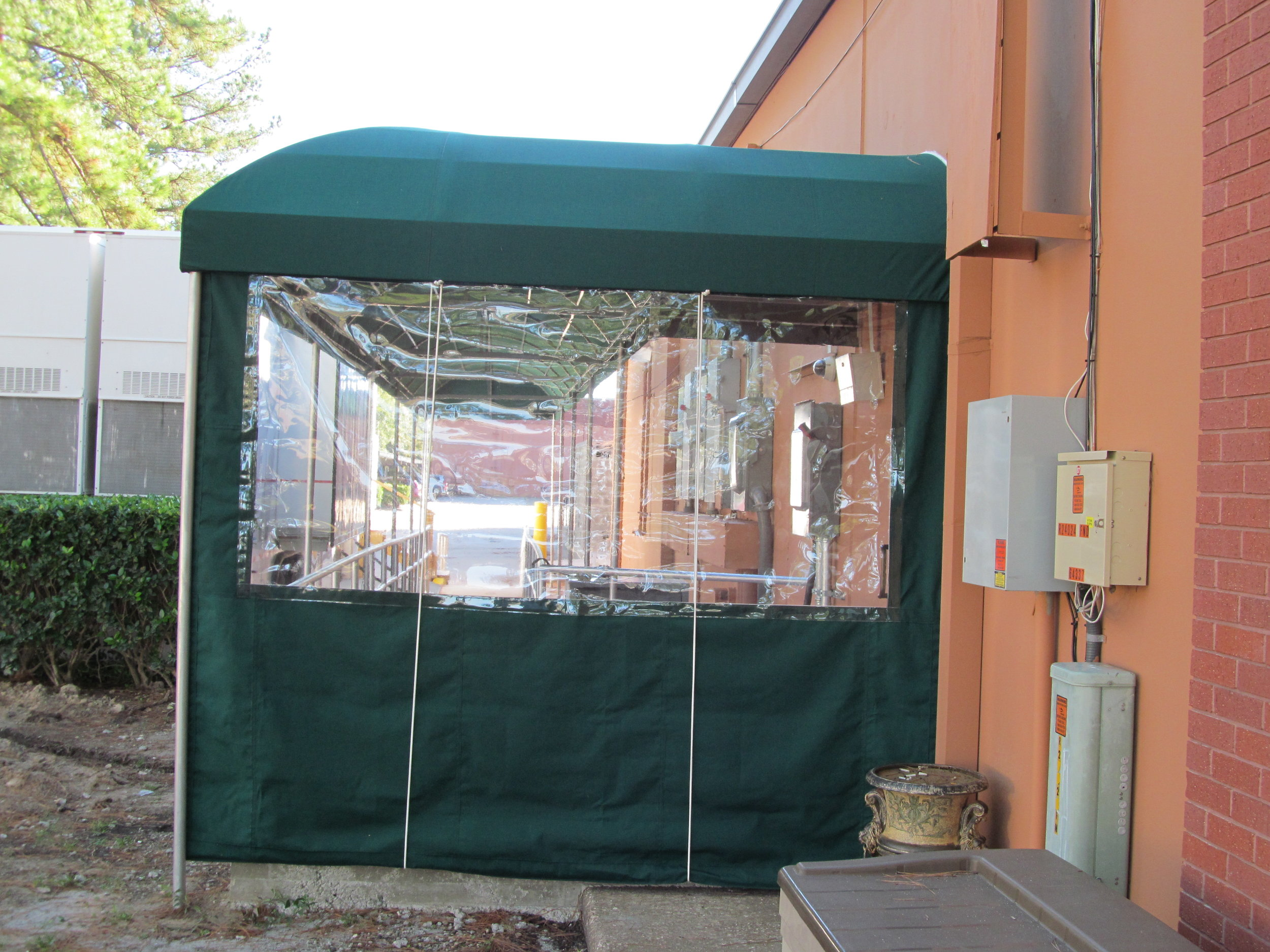 IMG_0267 Canopy Curtain Roll Up. Wind guard..JPG