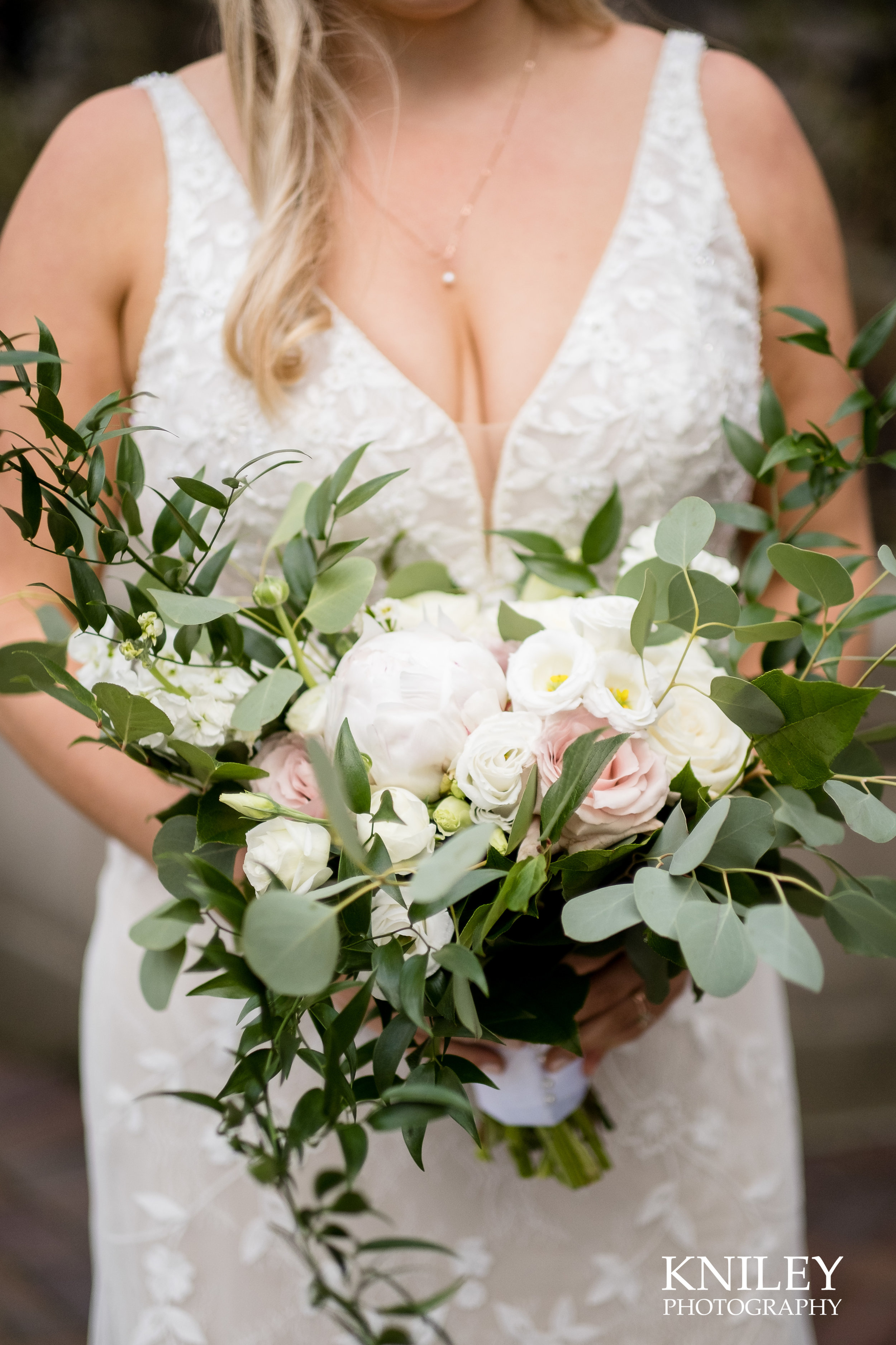 044-Kniley-Photography-I-Do-Wedding-Flowers-Wedding-Floral-Picture-044-XT3A4248.jpg