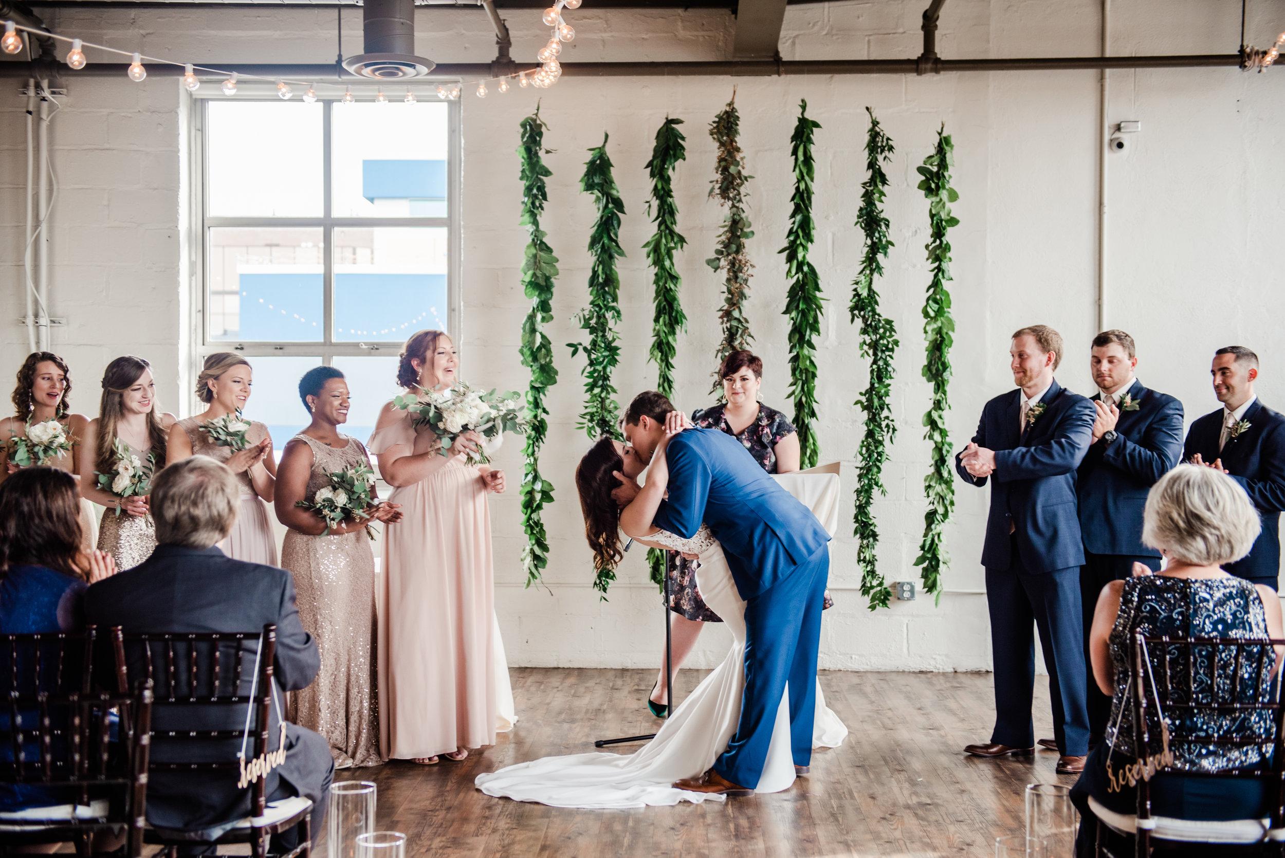 The_Arbor_Loft_Rochester_Wedding_JILL_STUDIO_Rochester_NY_Photographer_171656.jpg