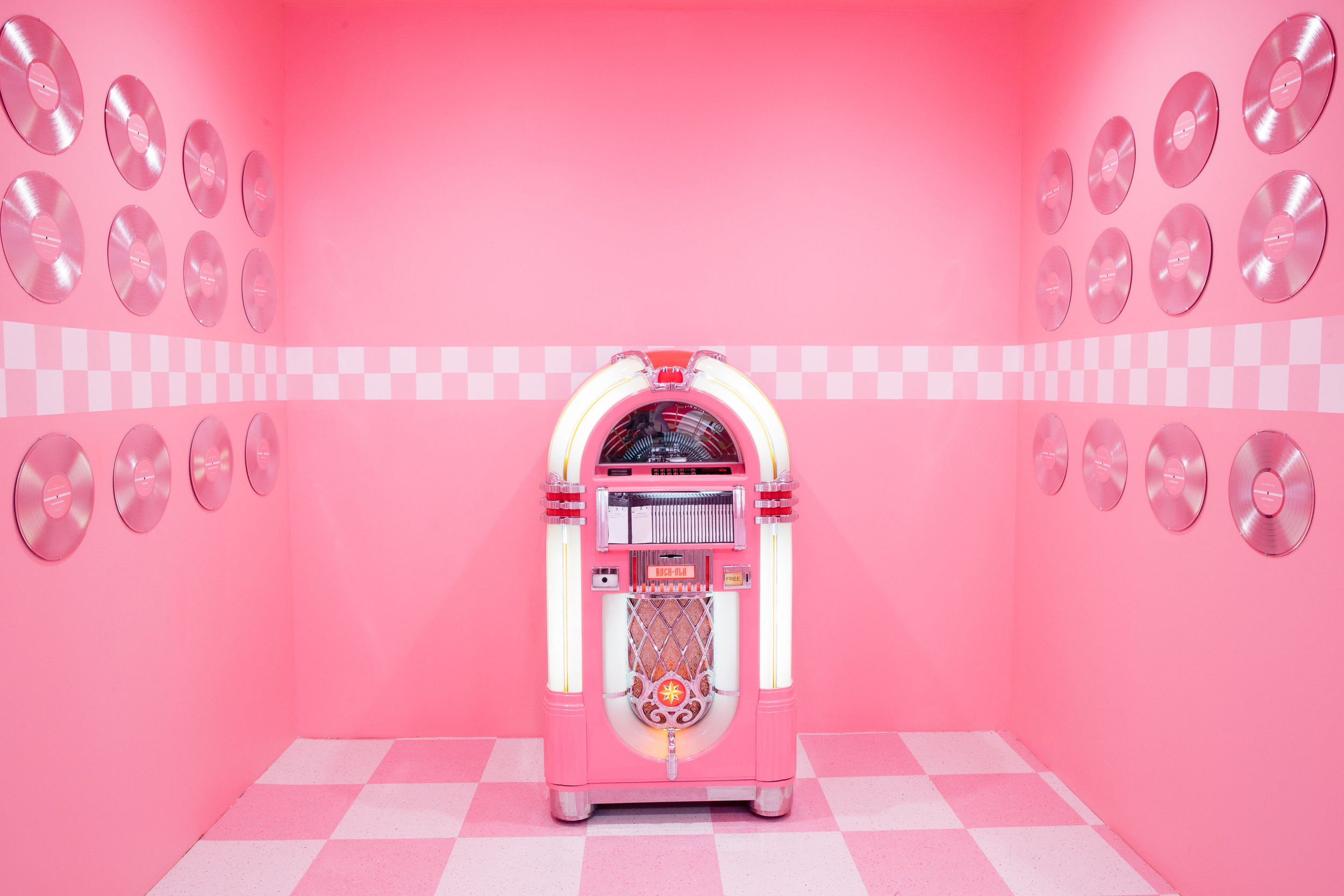 Museum-of-ice-cream_diner.jpg