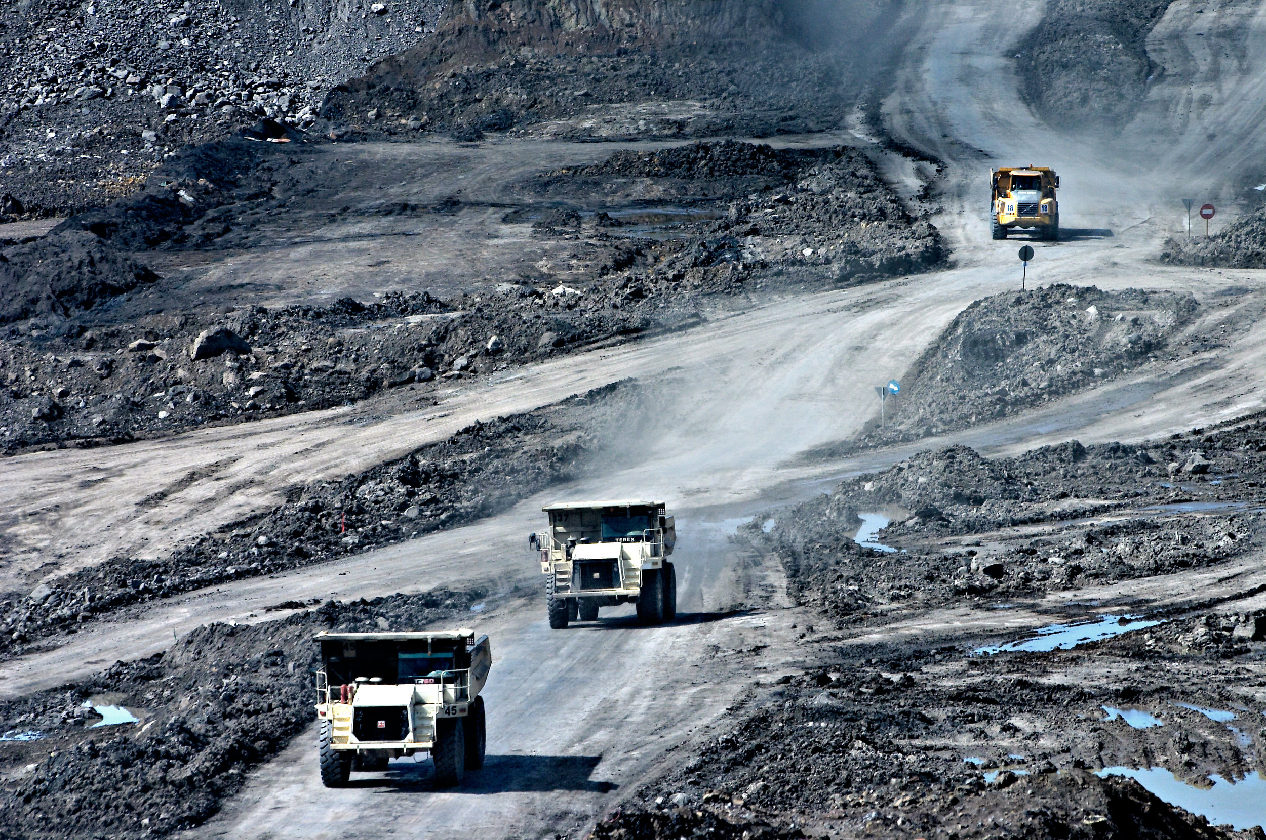 Countries where coal is commonly burned experience higher levels of air pollution, according to researchers.
