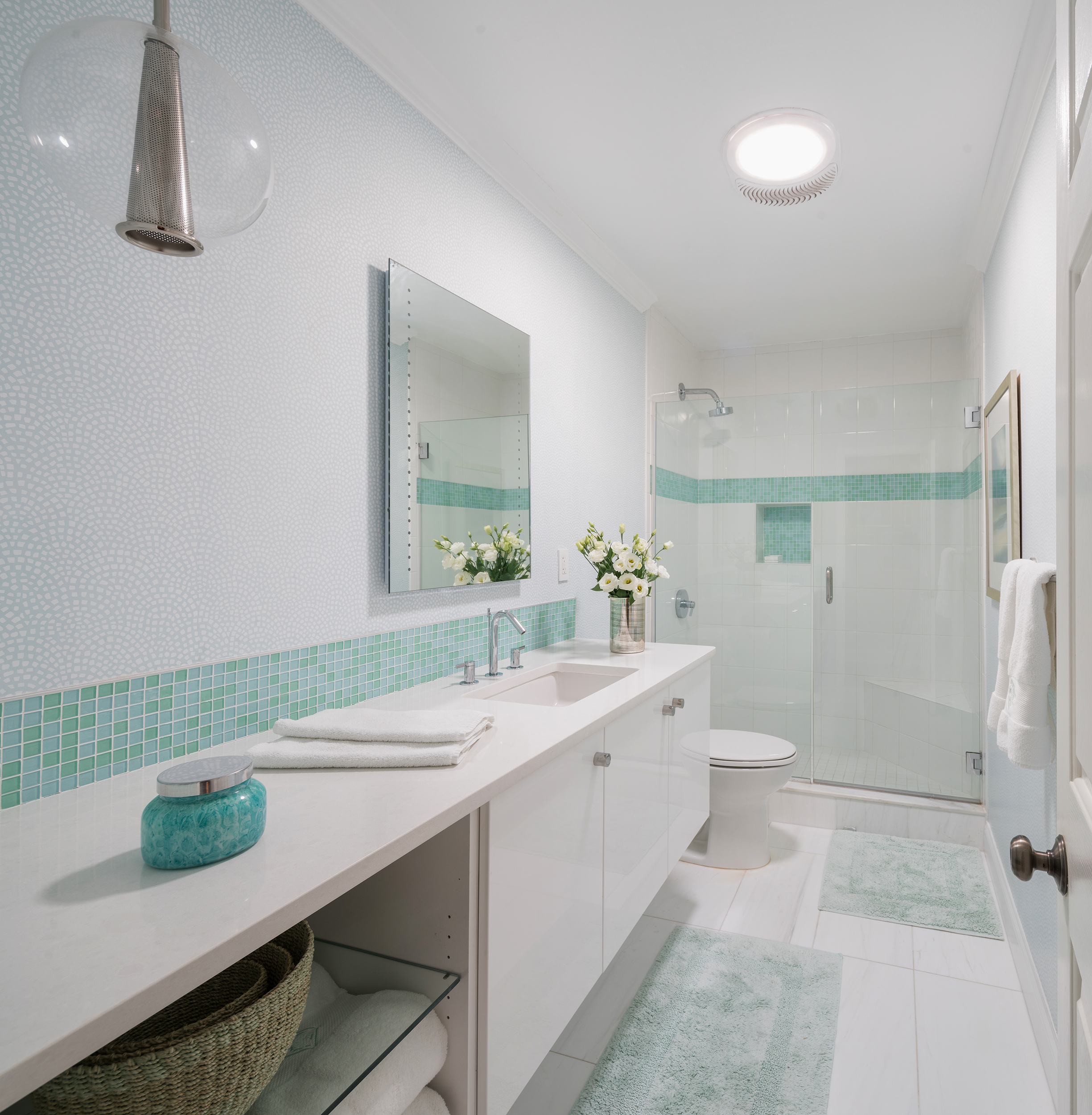 Kylie-Italiano---Shore-Crest-House---Guest-Bathroom.jpg