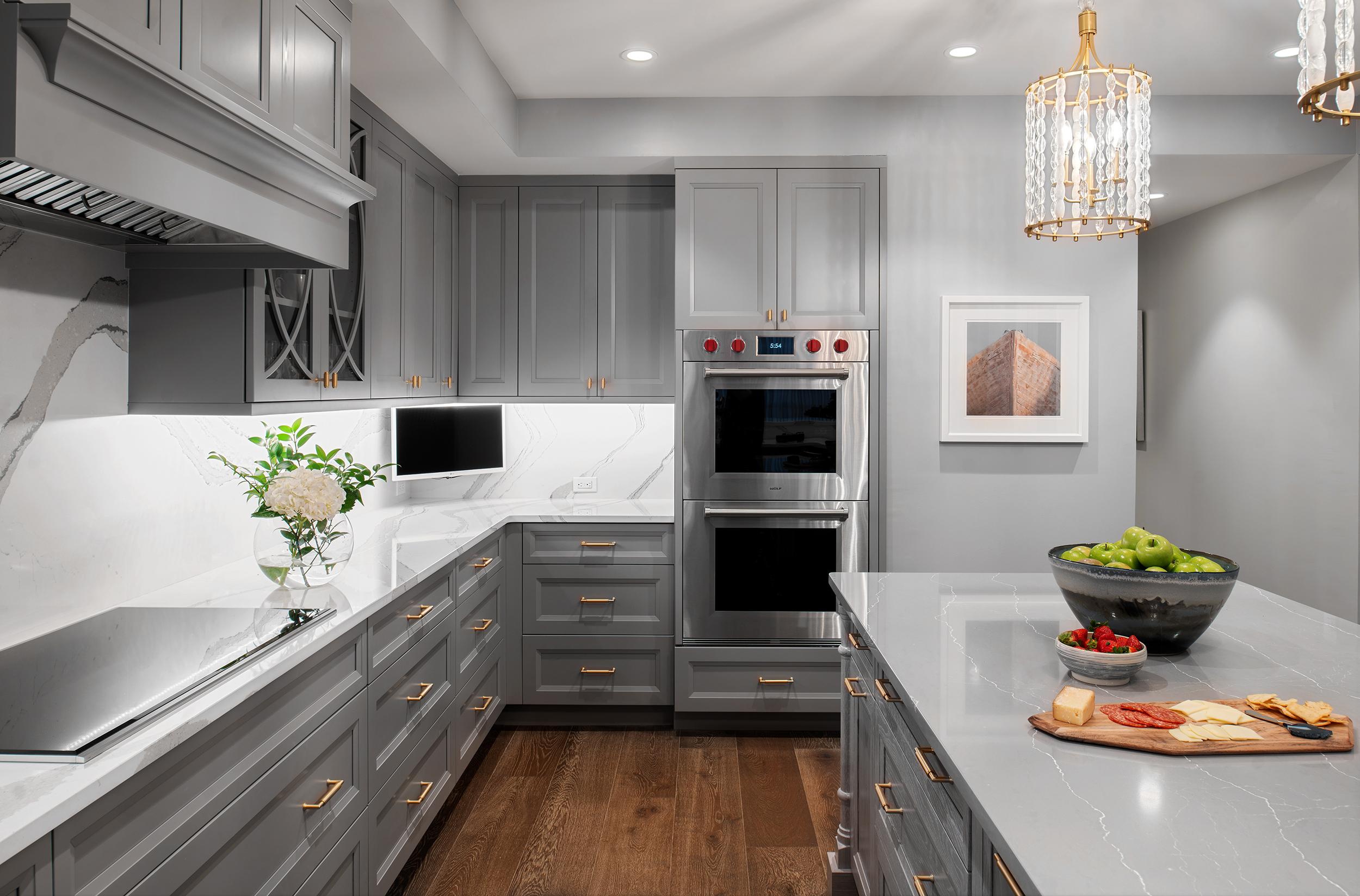kylie-ponton---belleair-penthouse---kitchen-three.jpeg