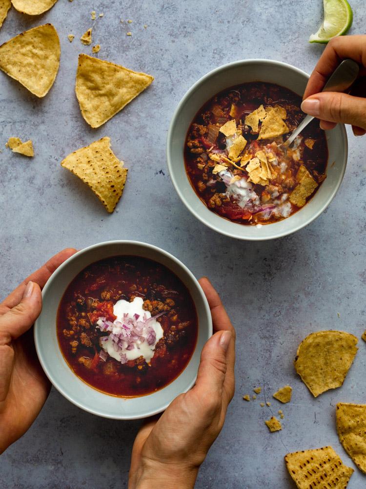 Beef & Black Bean Chili with Chipotle Peppers | www.mackenziemjordan.com