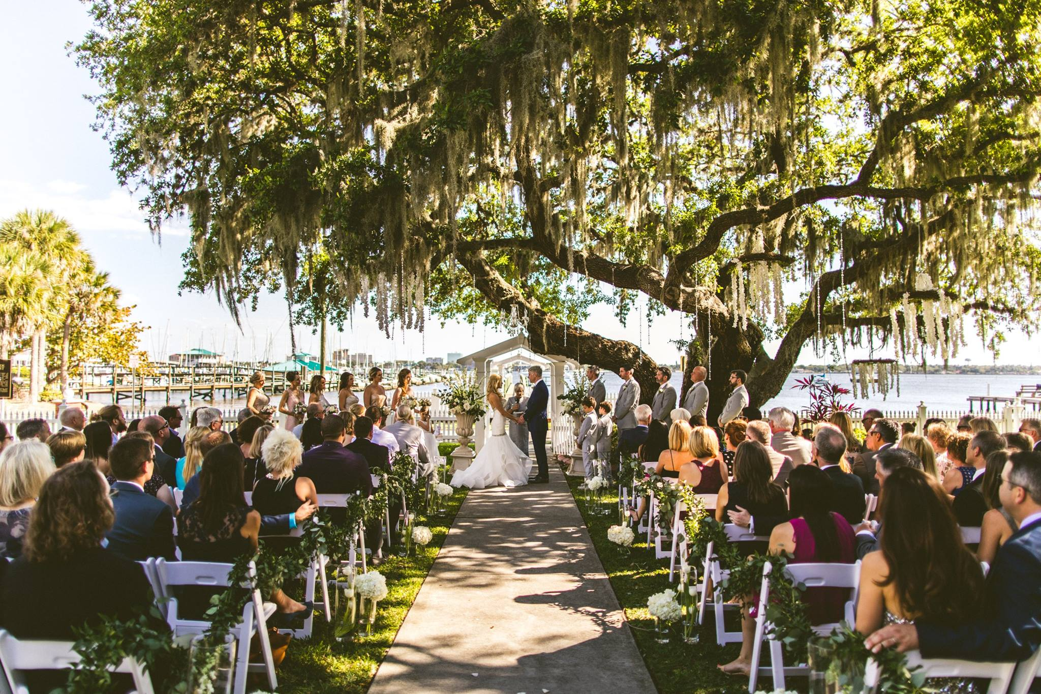 Plan Your Perfect Wedding Day - Get help planning your Jacksonville wedding with our detailed guide & downloadable checklists.