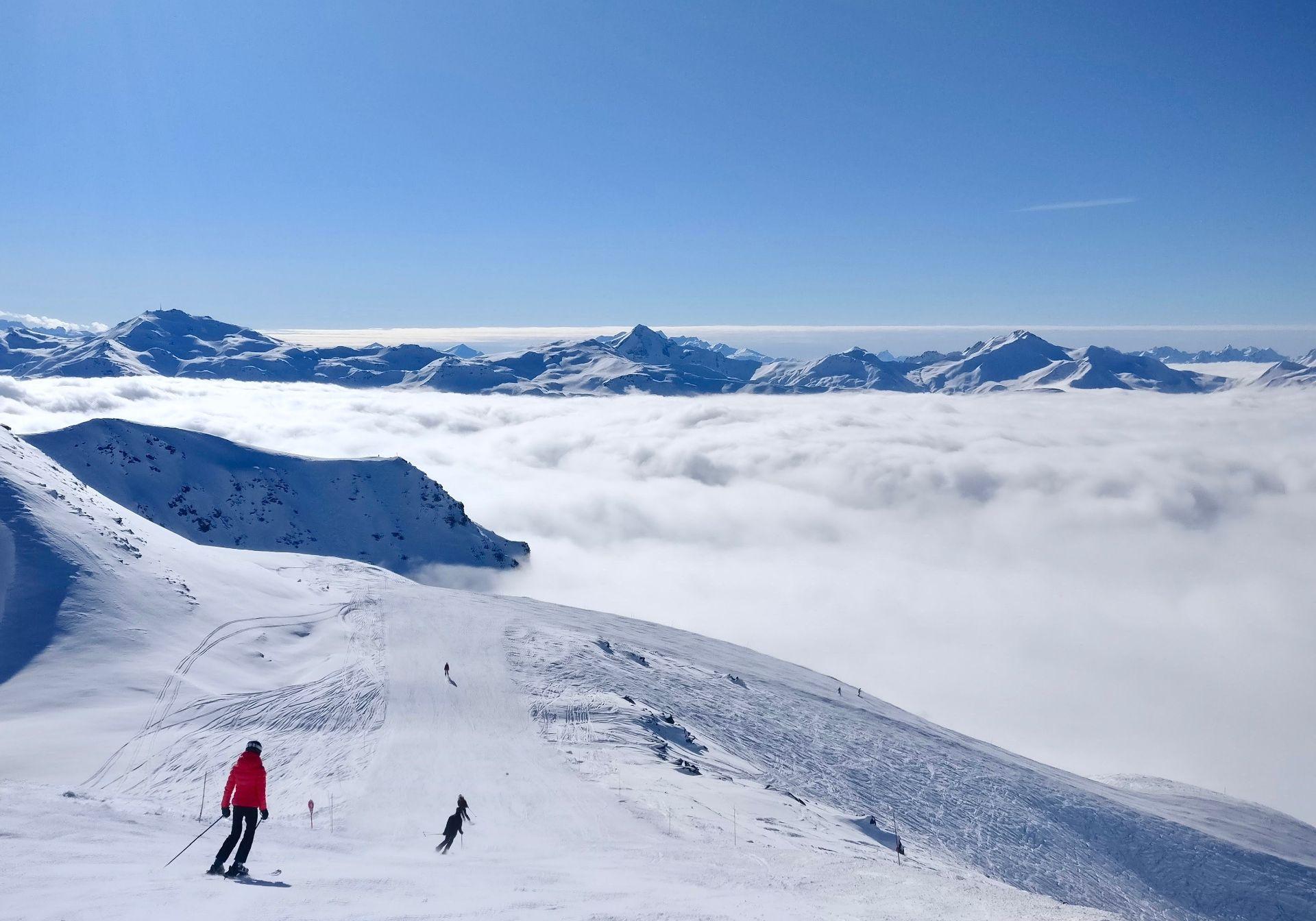AdventureHQ ski shuttles from Taupo to Whakapapa Mt Ruapehu.jpg