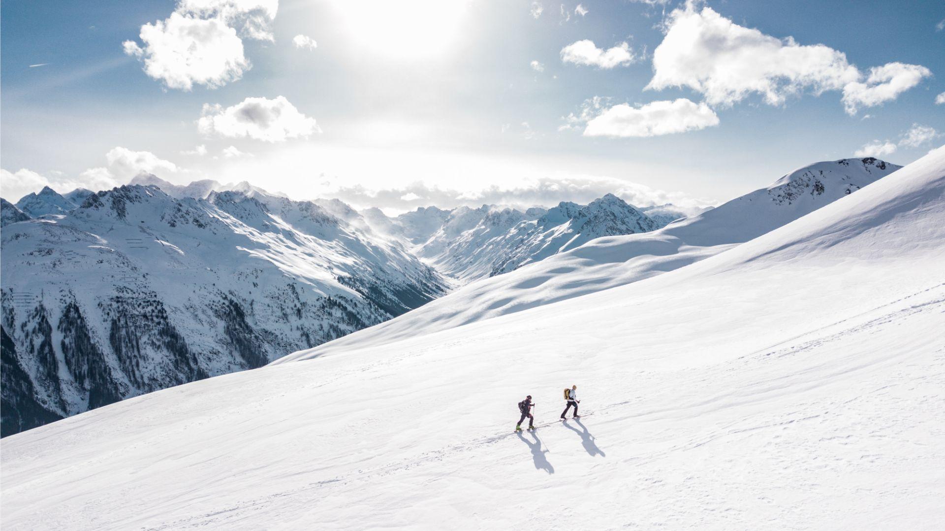 AdventureHQ winter ski shuttles Taupo, Mount Rupaehu, Whakapapa.jpg